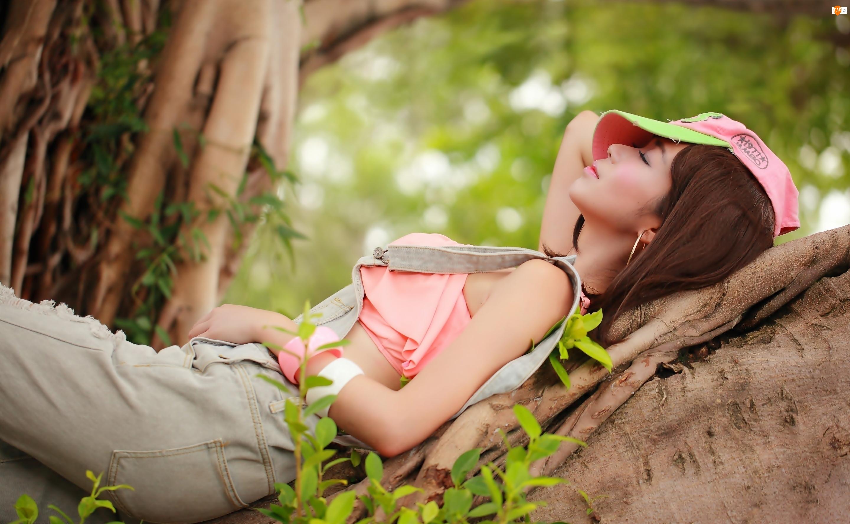 Drzewa, Brunetka, Rośliny, Odpoczynek, Pnie