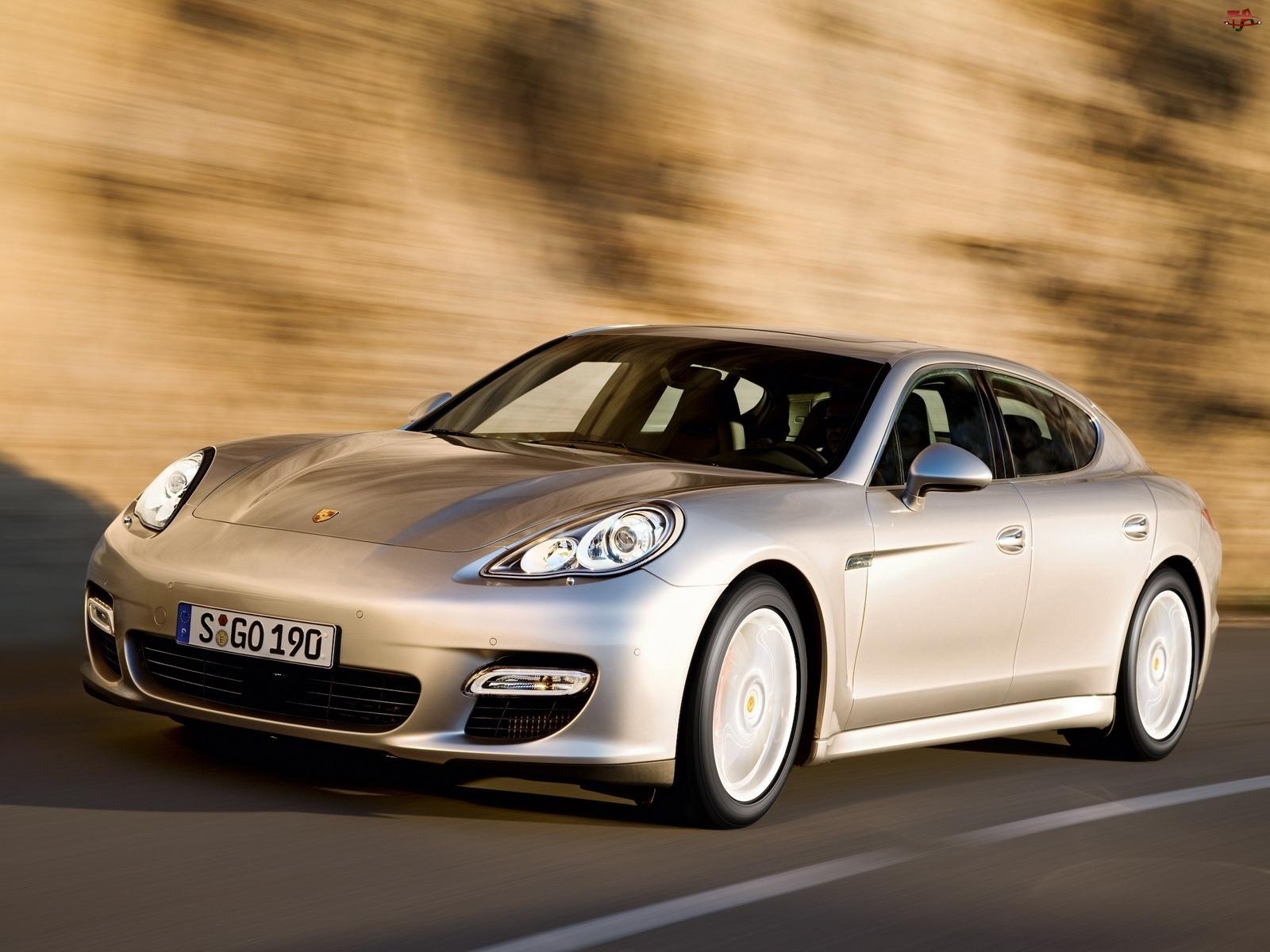 Porsche Panamera, Ulica
