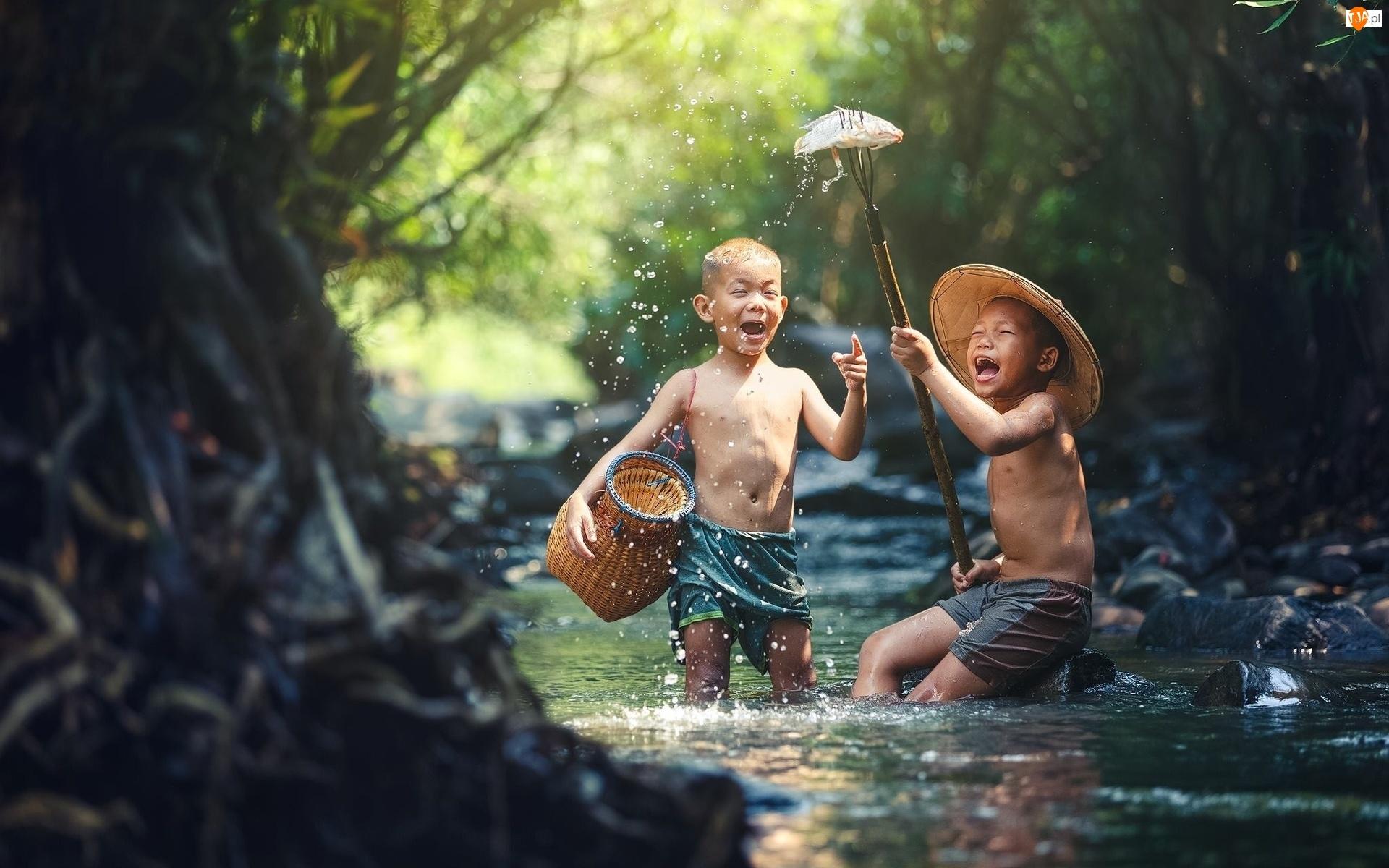 Dzieci, Ryba, Uśmiech, Rzeka