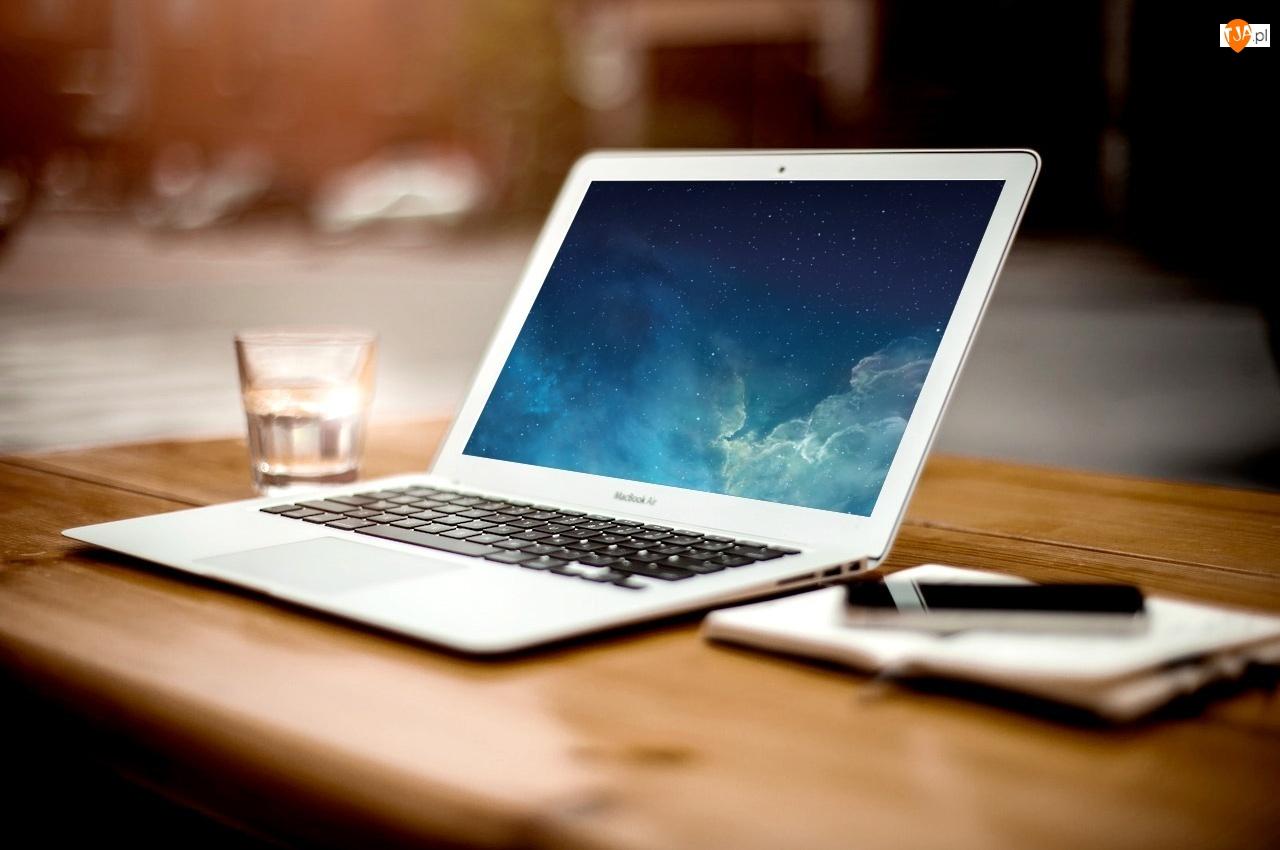 Laptop, Szklanka, Notes, Długopis