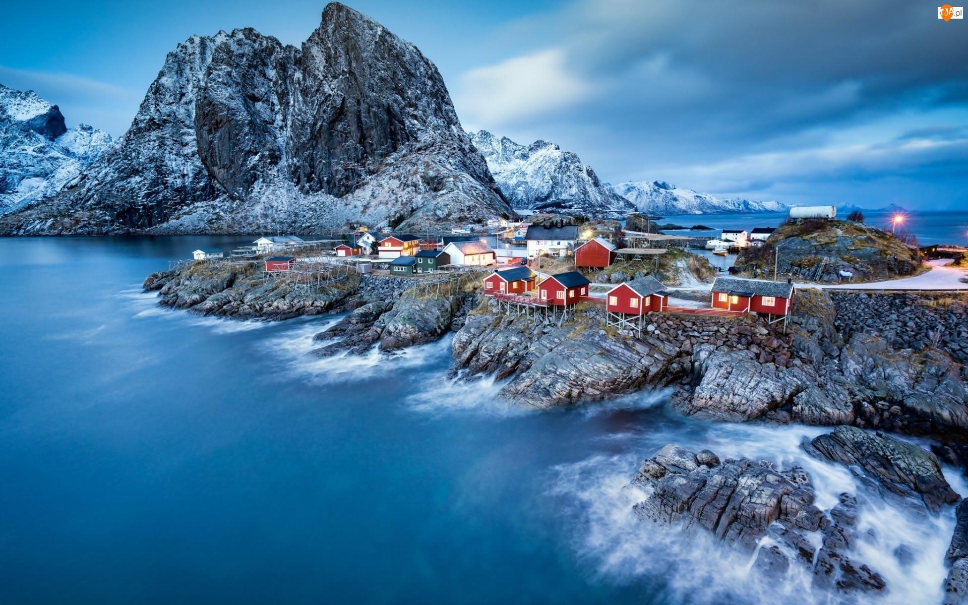 Góry, Wioska rybacka, Lofoty, Norwegia, Morze, Domki