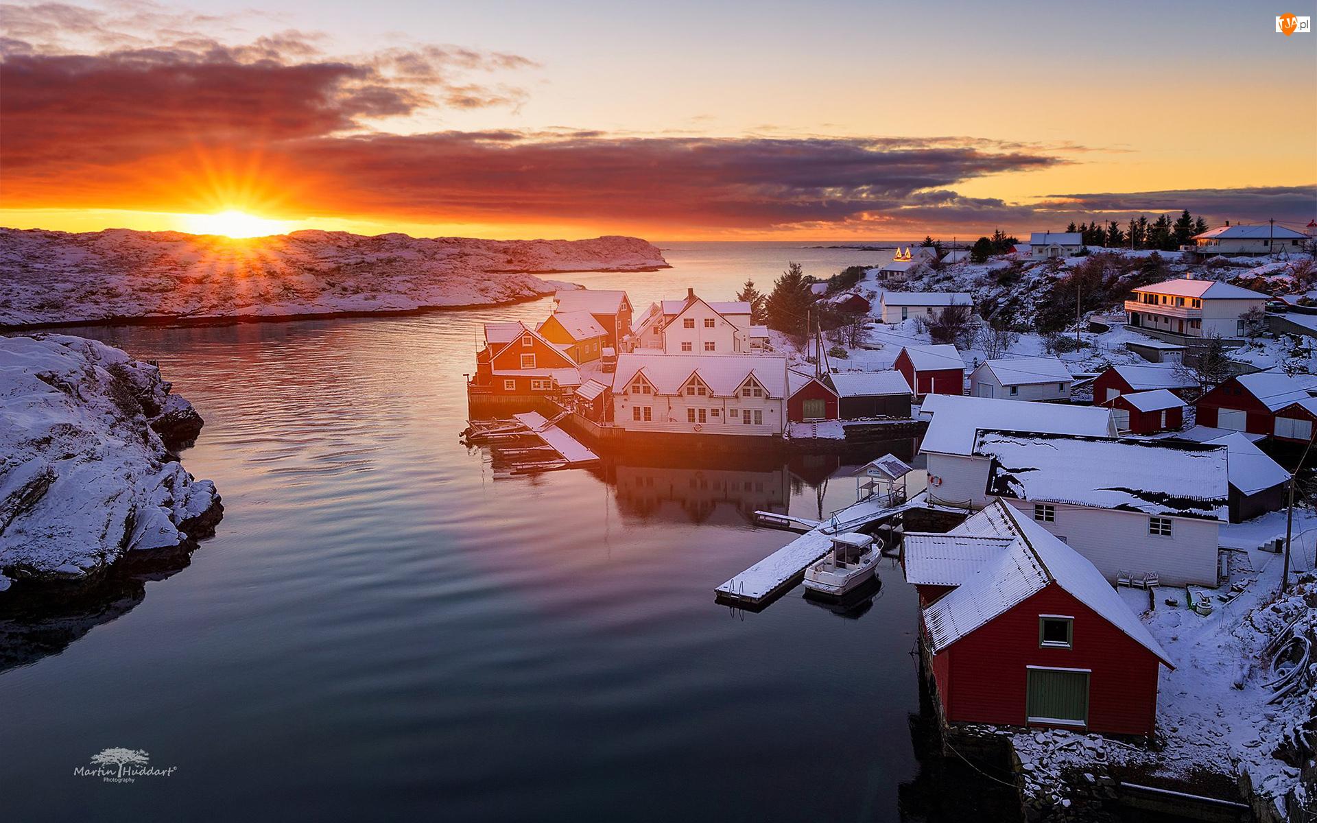 Norwegia, Zachód słońca, Wioska Nautnes, Zima