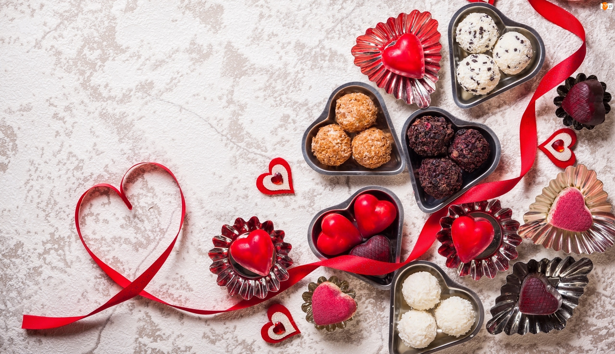 Wstążka, Walentynki, Słodycze, Czekoladki, Serduszka