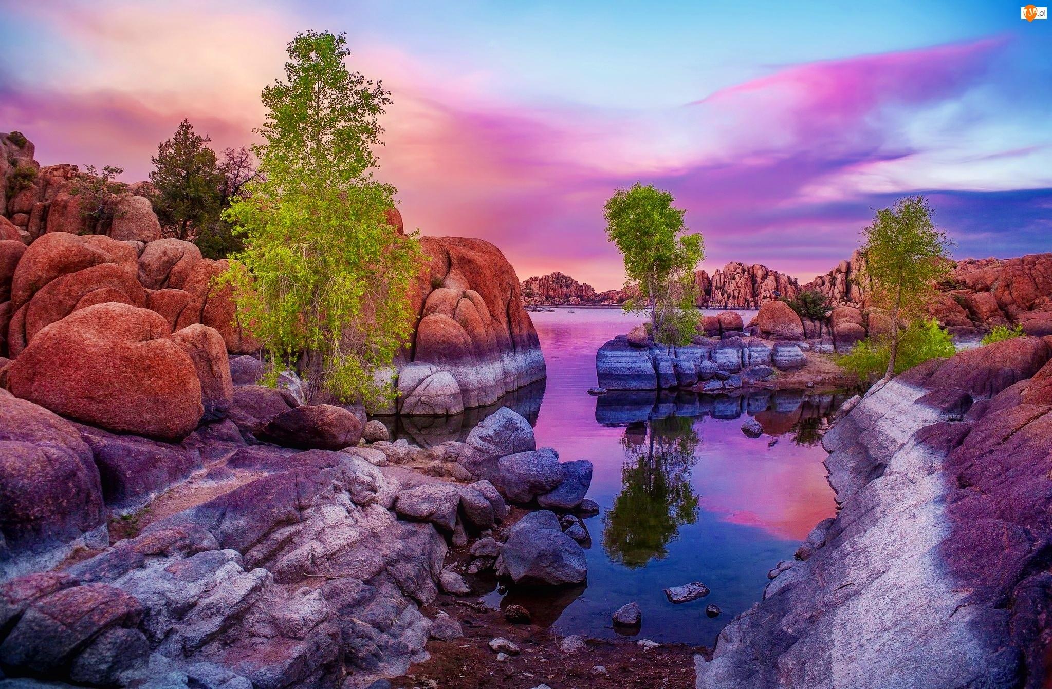Rzeka, Wiosna, Głazy, Drzewa