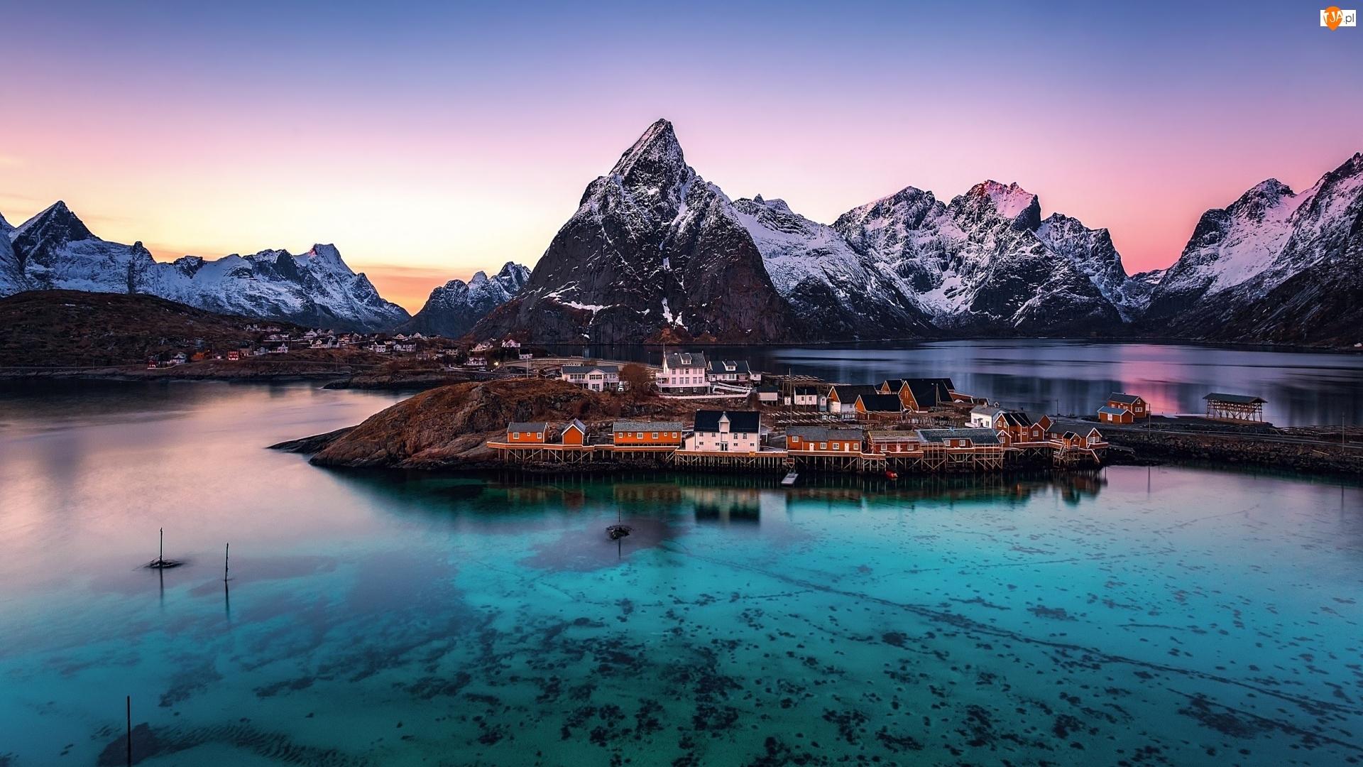Góry, Wioska Reine, Norwegia, Domy, Lofoty, Morze