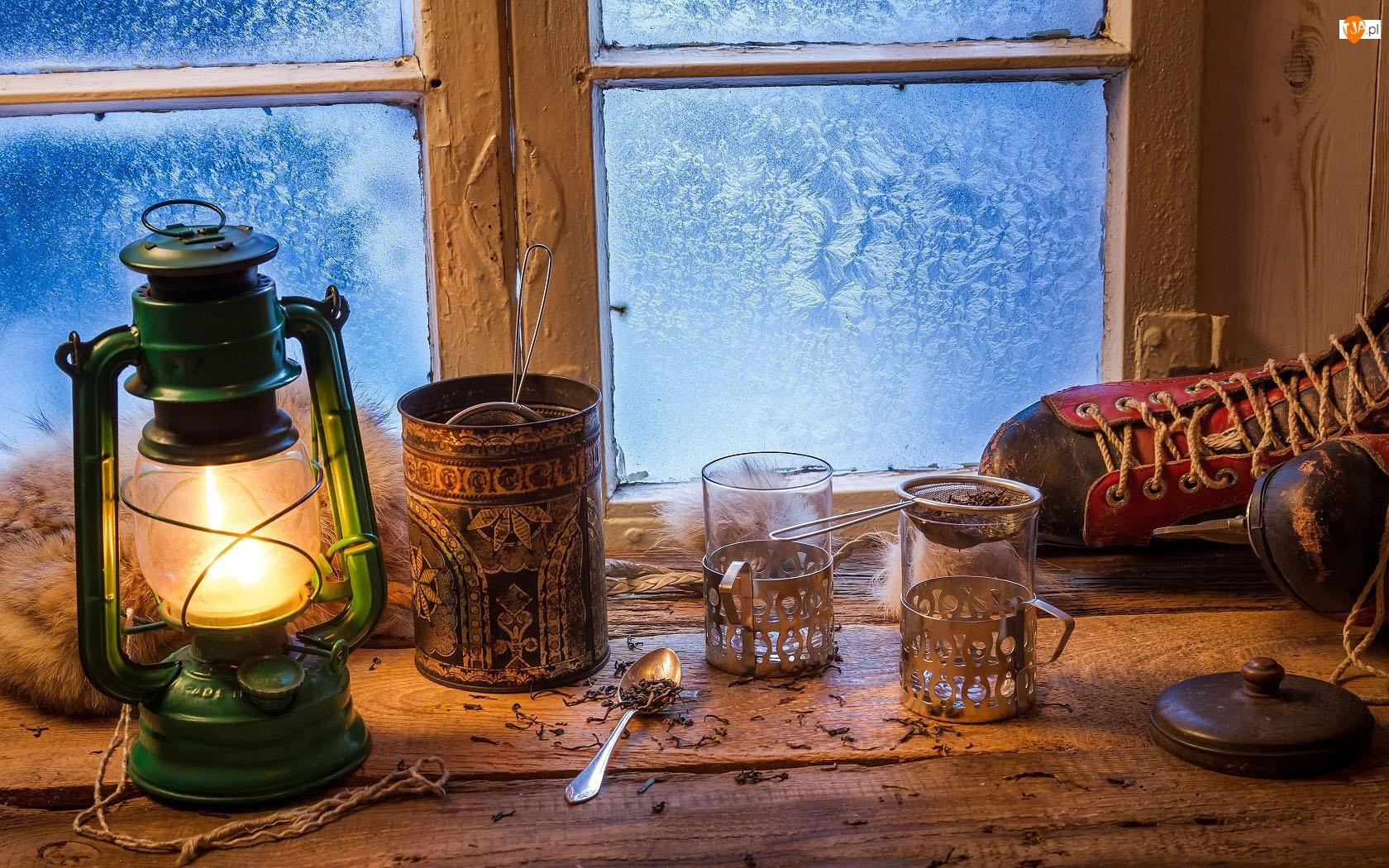 Szklanki, Mróz, Lampa, Kompozycja, Łyżwa, Okno, Herbata