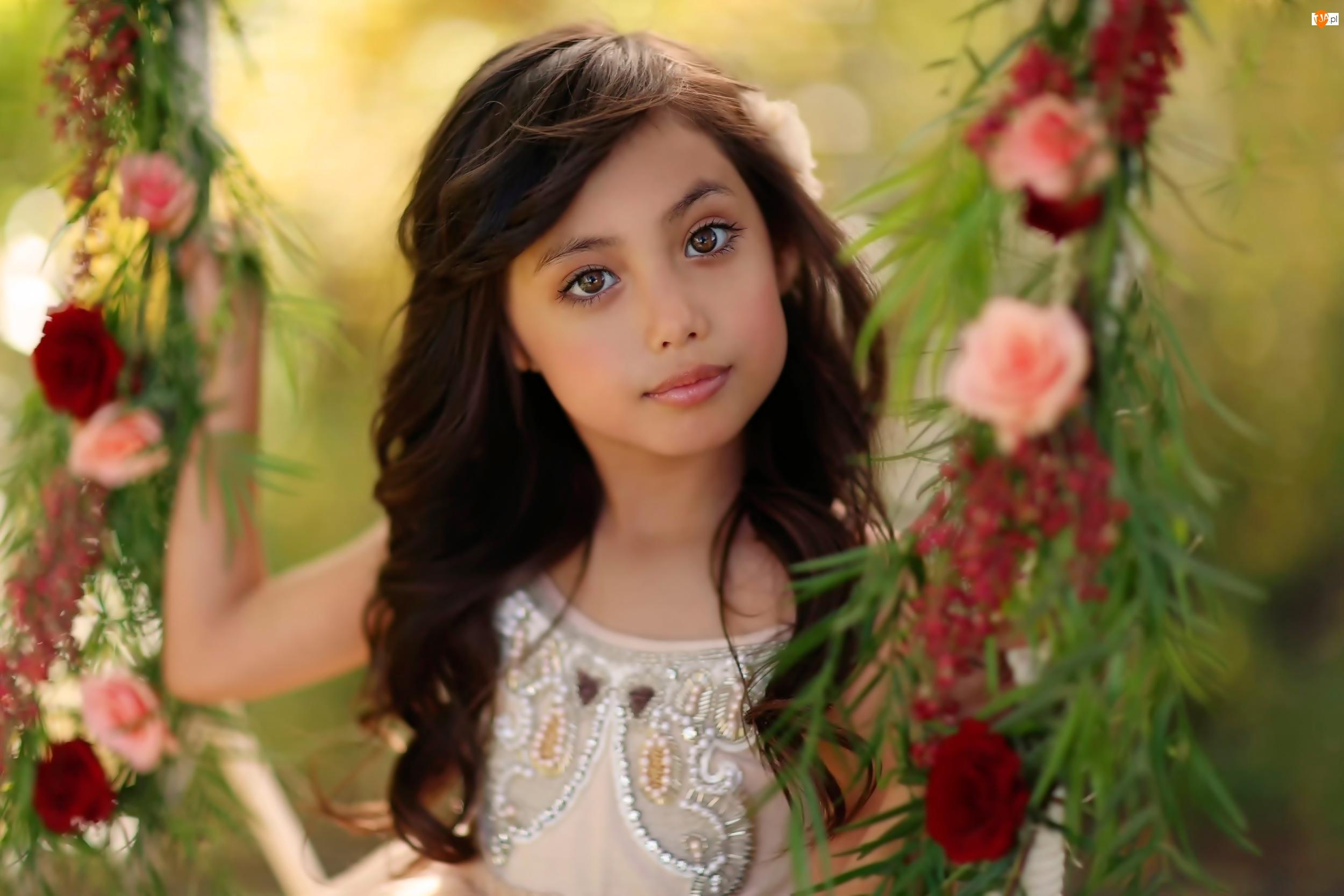 Śliczna, Kwiaty, Dziewczynka, Huśtawka