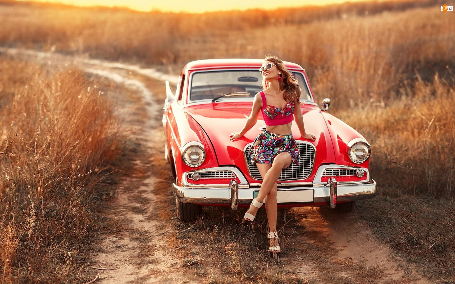 Kobieta, Czerwony, Droga, Samochód, Uśmiechnięta