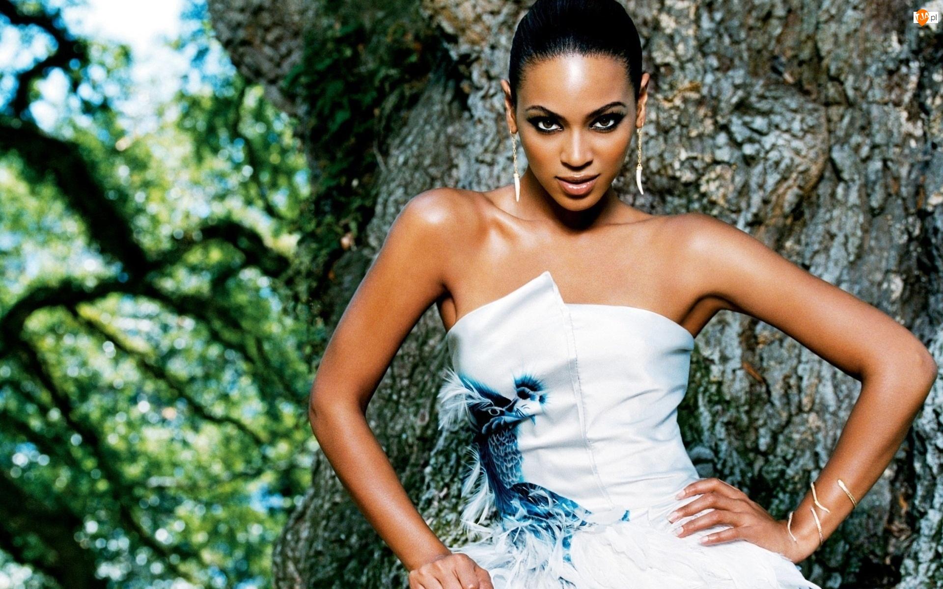 Makijaż, Beyonce Knowles, Kolczyki