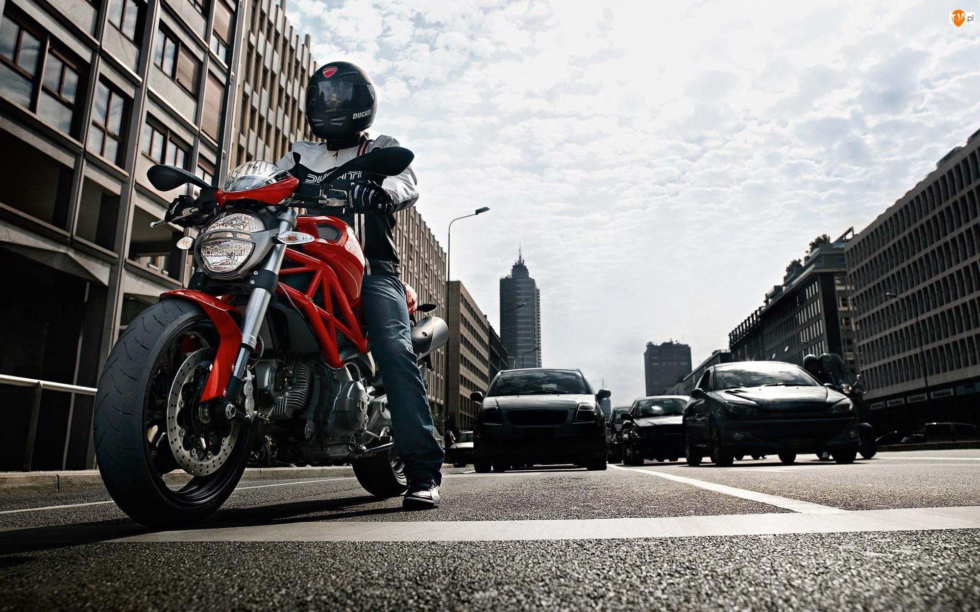 Ulica, Ducati, Monster