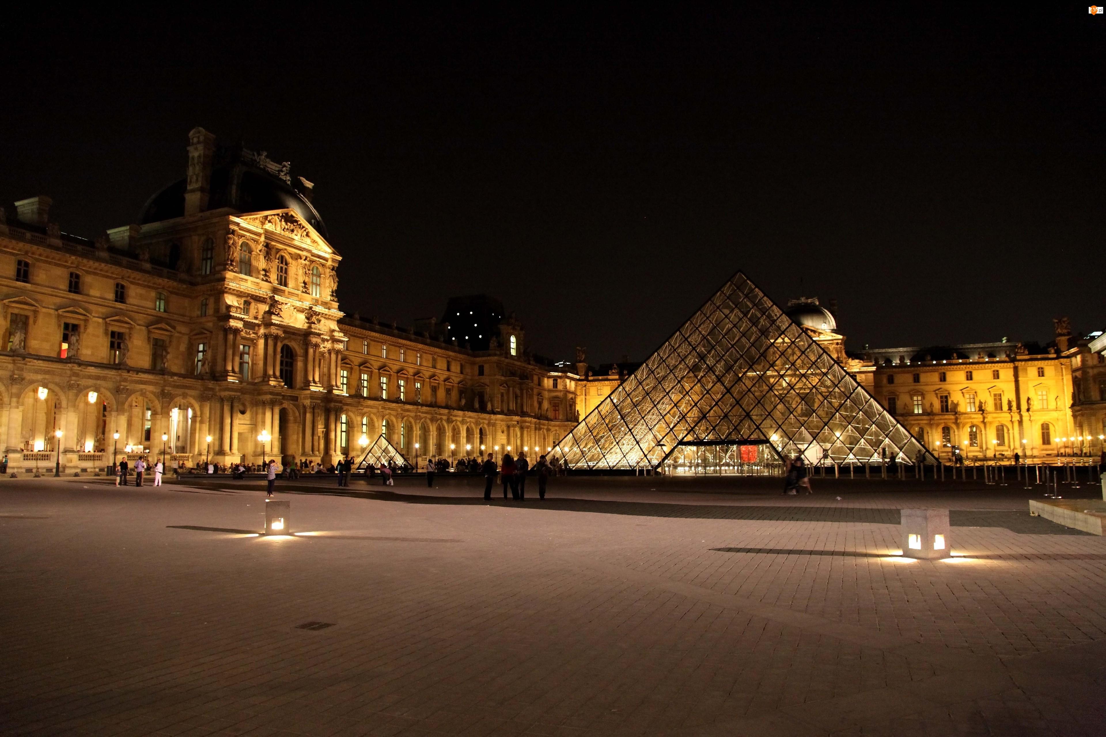 Miasto nocą, Luwr, Paryż, Muzeum, Francja