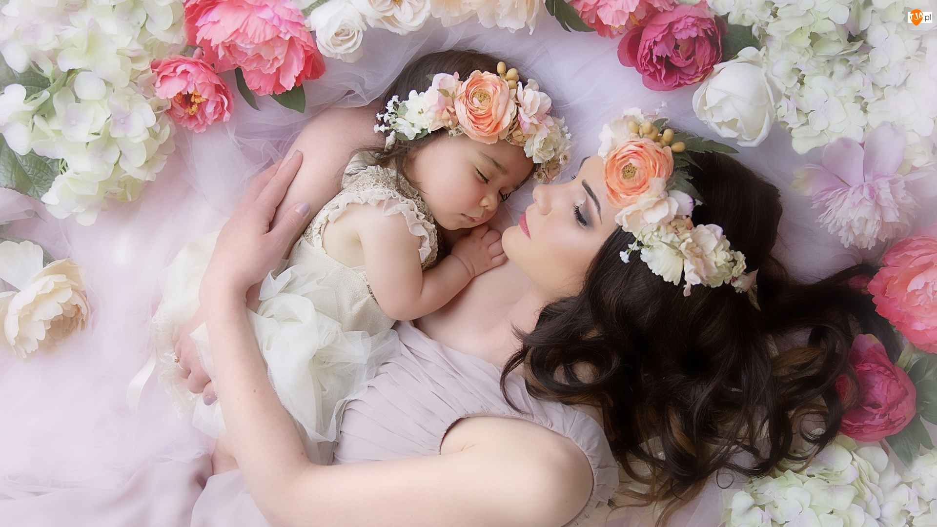 Kwiaty, Kobieta, Dziecko