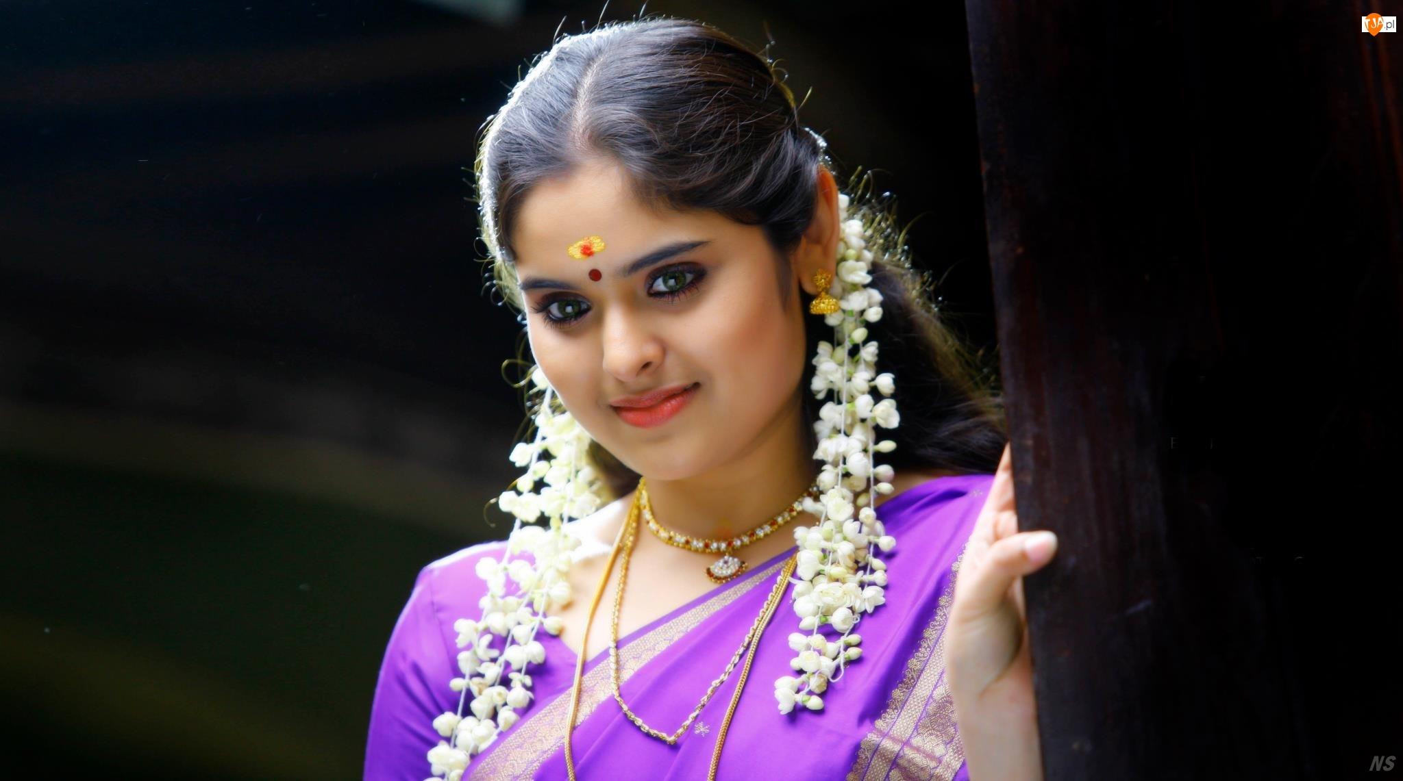 Sari, Hinduska, Kwiaty