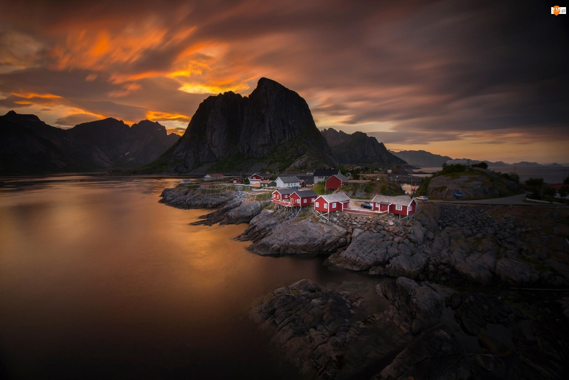 Morze, Zachód Słońca, Wioska, Norwegia, Góry, Skały