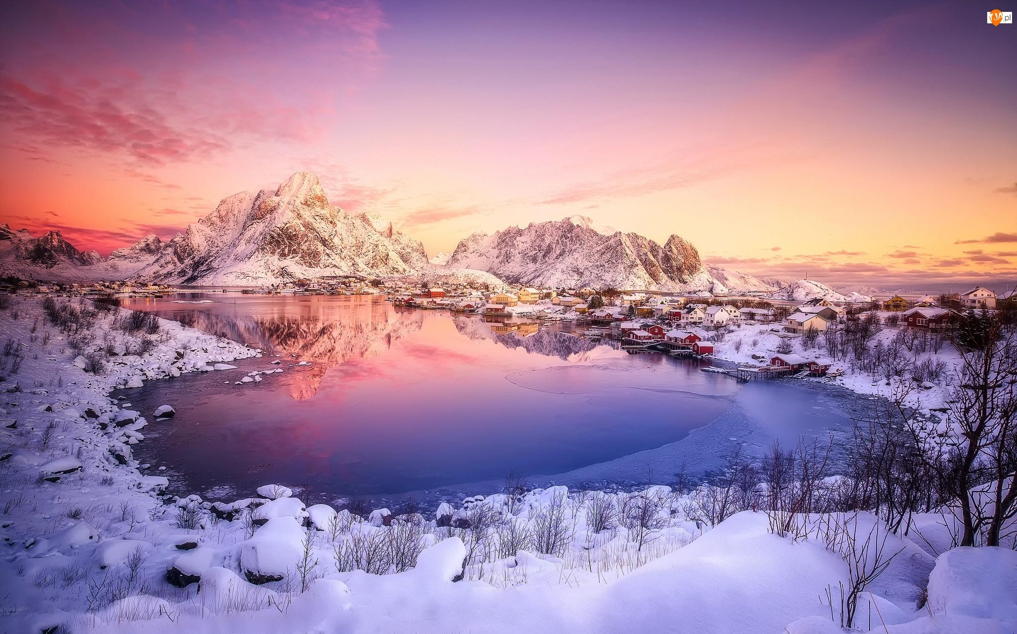 Zima, Góry, Wioska Reine, Skały, Norwegia, Domy, Lofoty, Zatoka