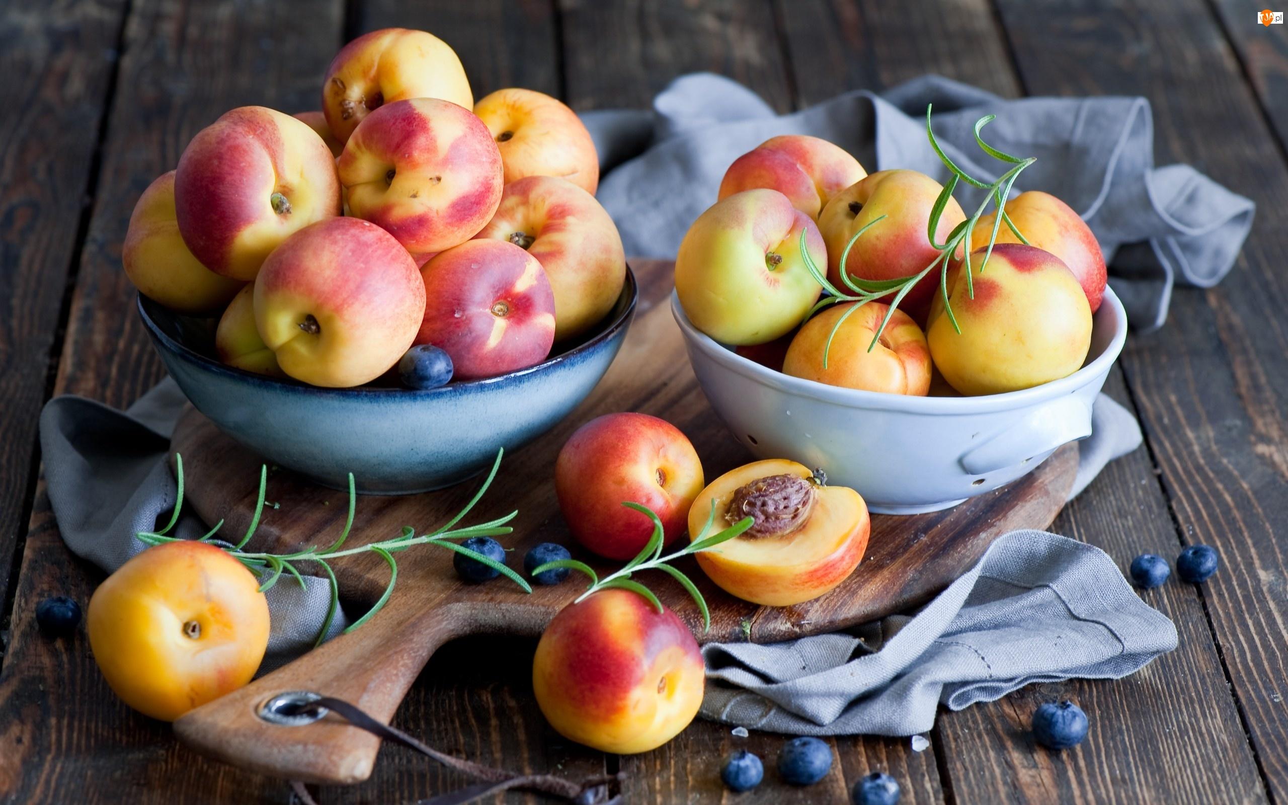 Owoce, Brzoskwinie