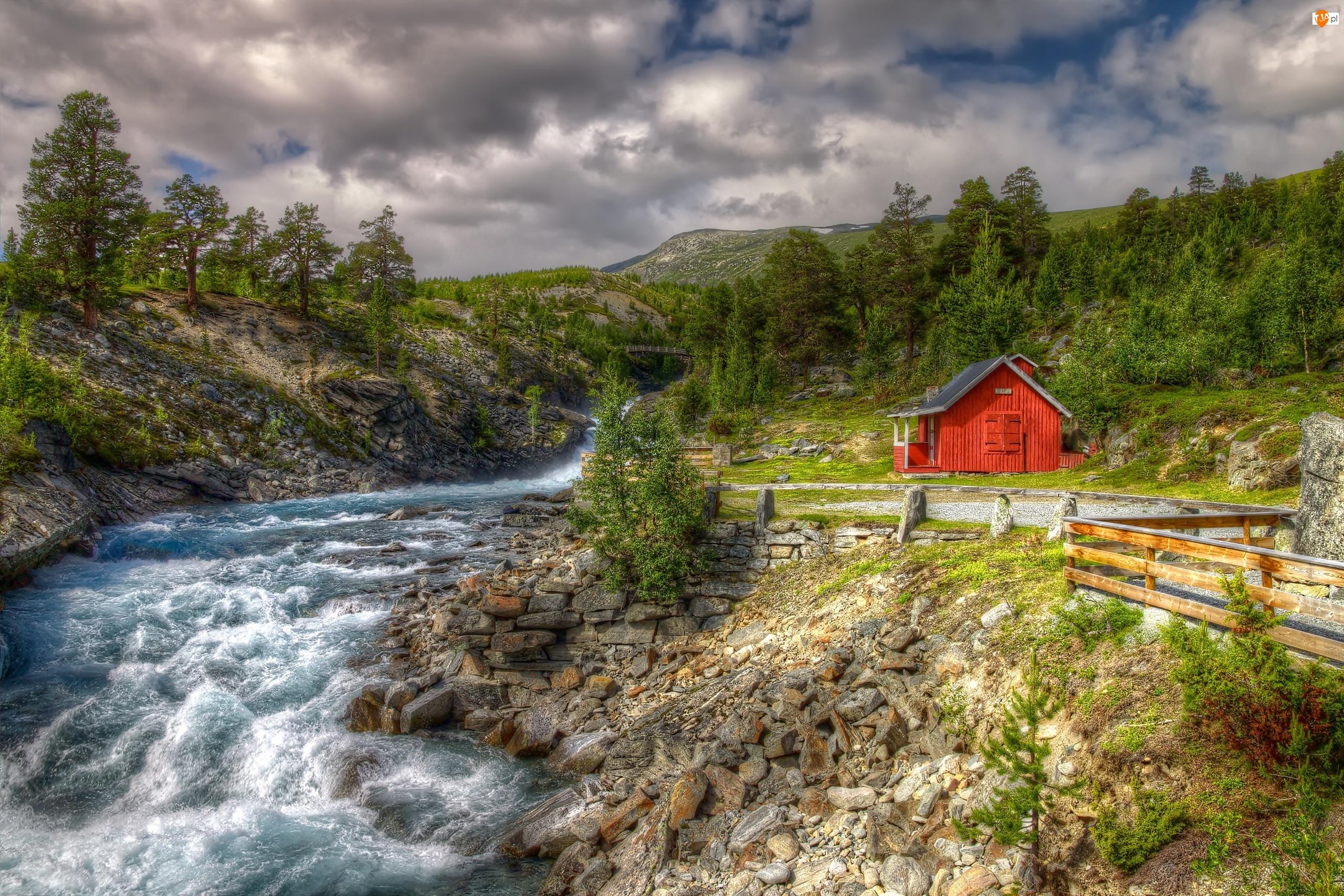 Las, Norwegia, Rzeka, Dom