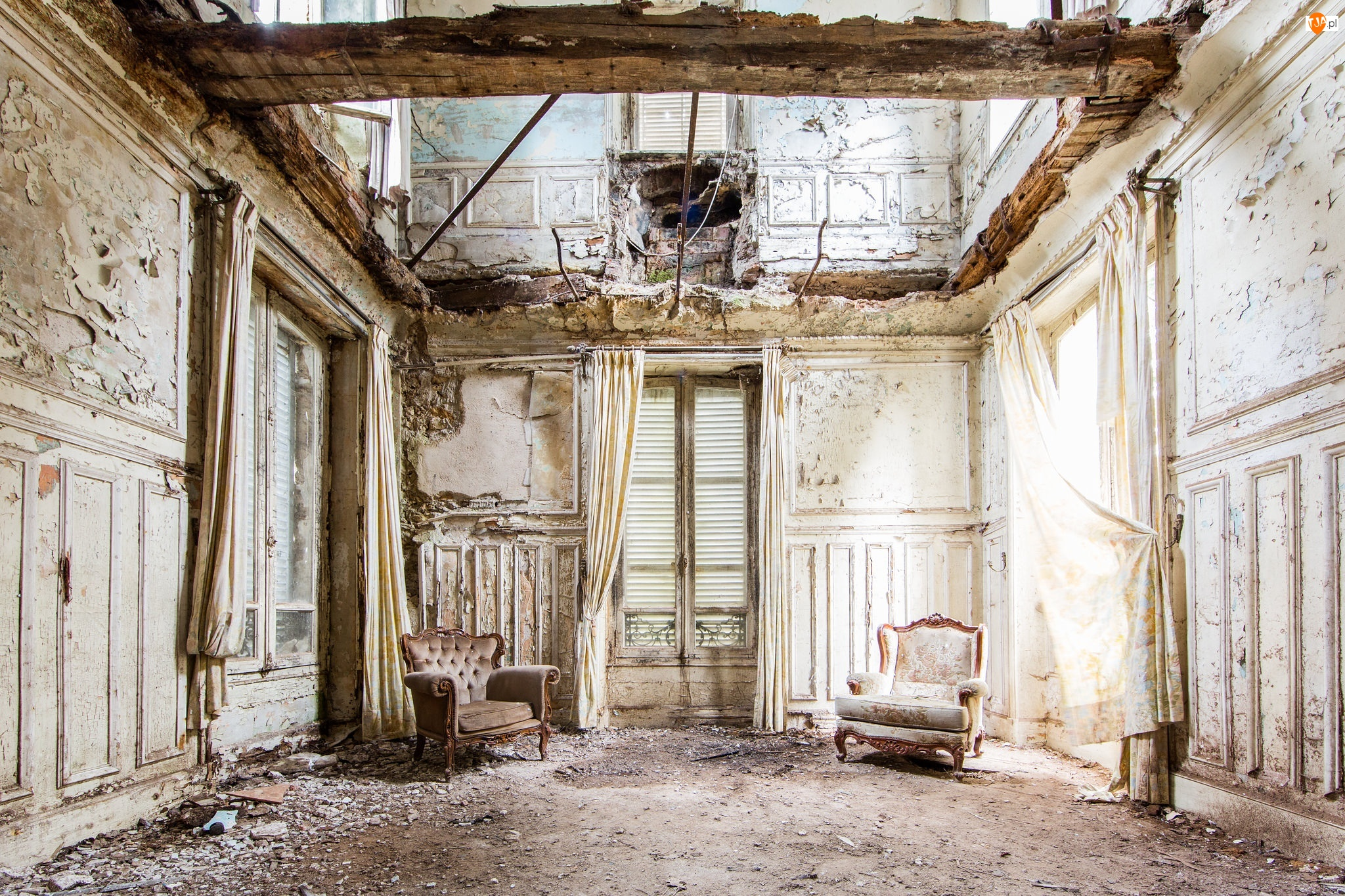 Ruina, Fotele
