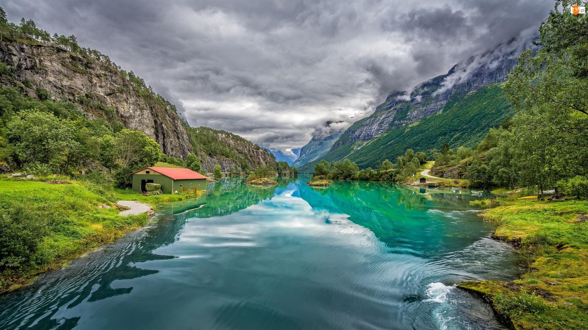 Rzeka, Drzewa, Norwegia, Dom, Wieś Loen, Góry