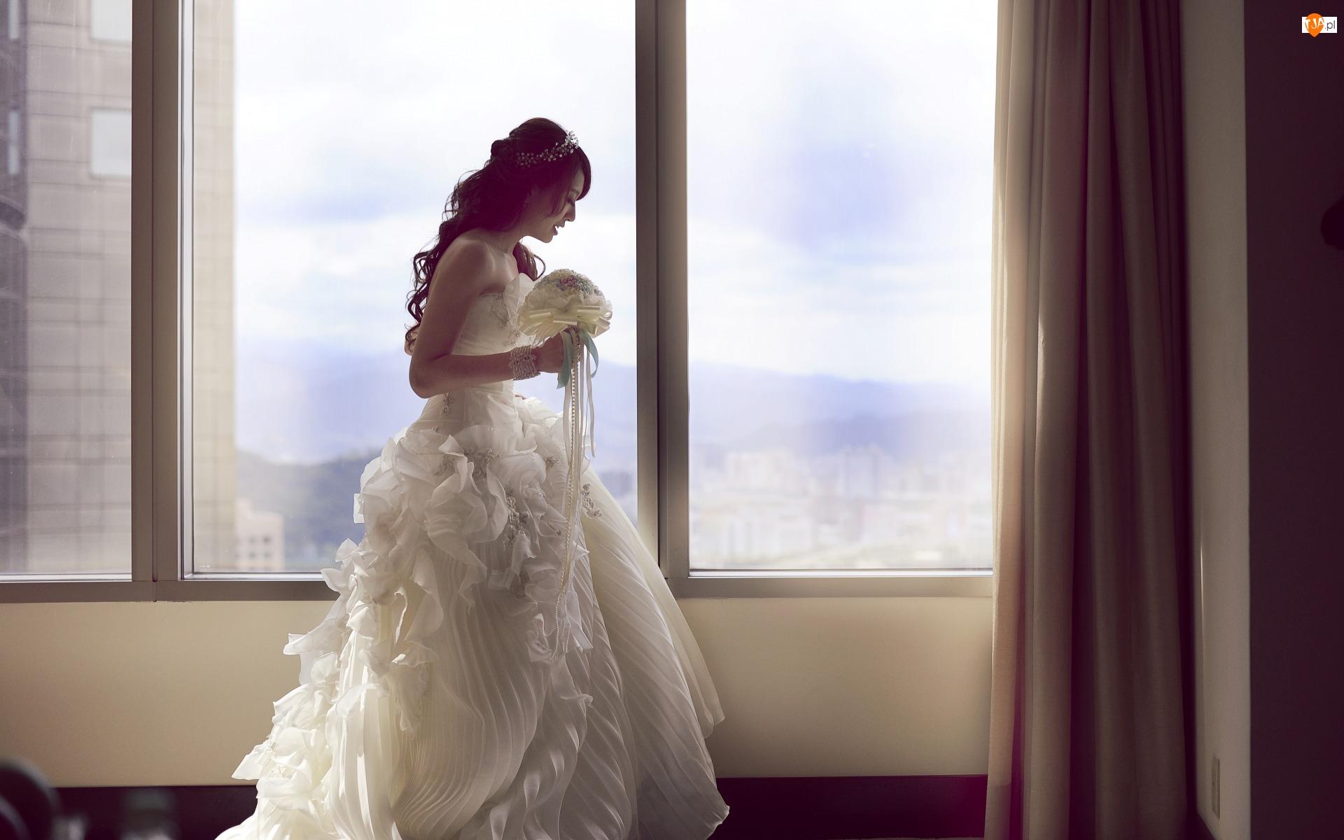 Okna, Kobieta, Suknia biała, Ślub, Bukiet