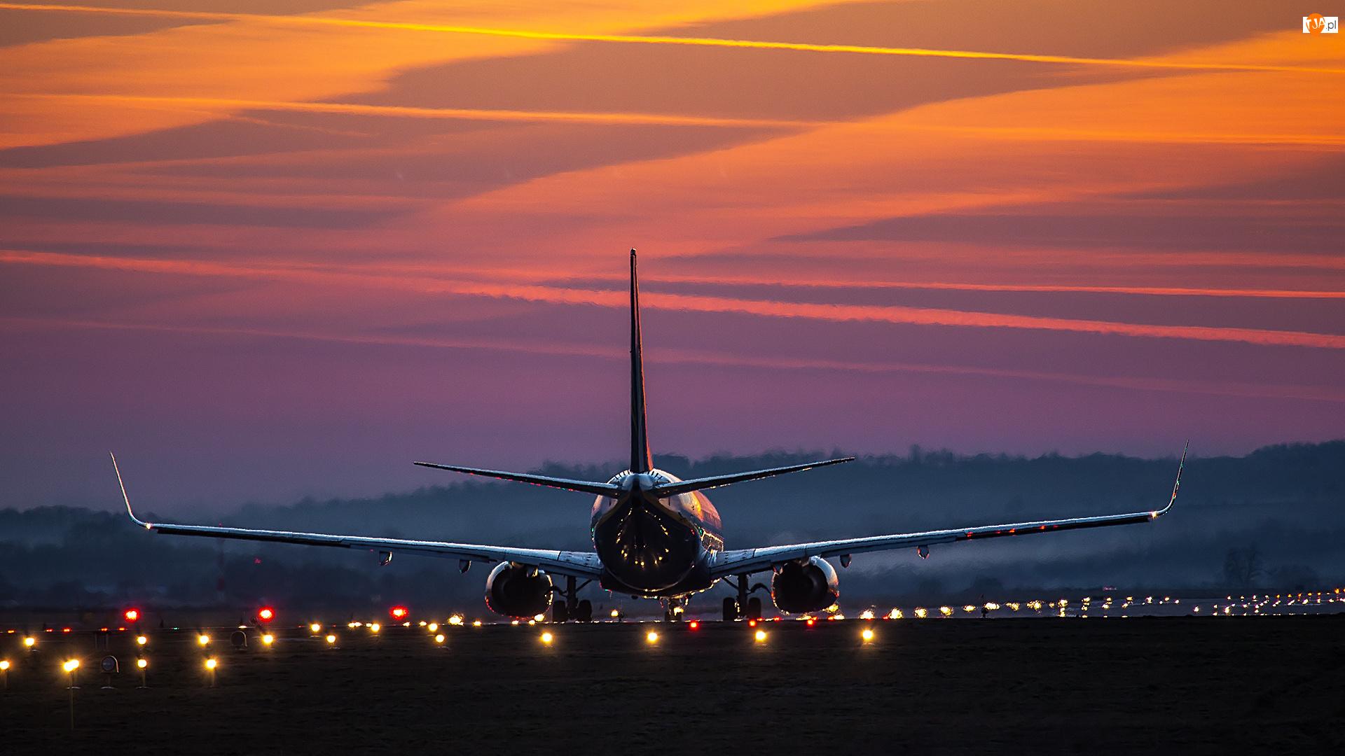 Zachód słońca, Samolot pasażerski, Pas startowy
