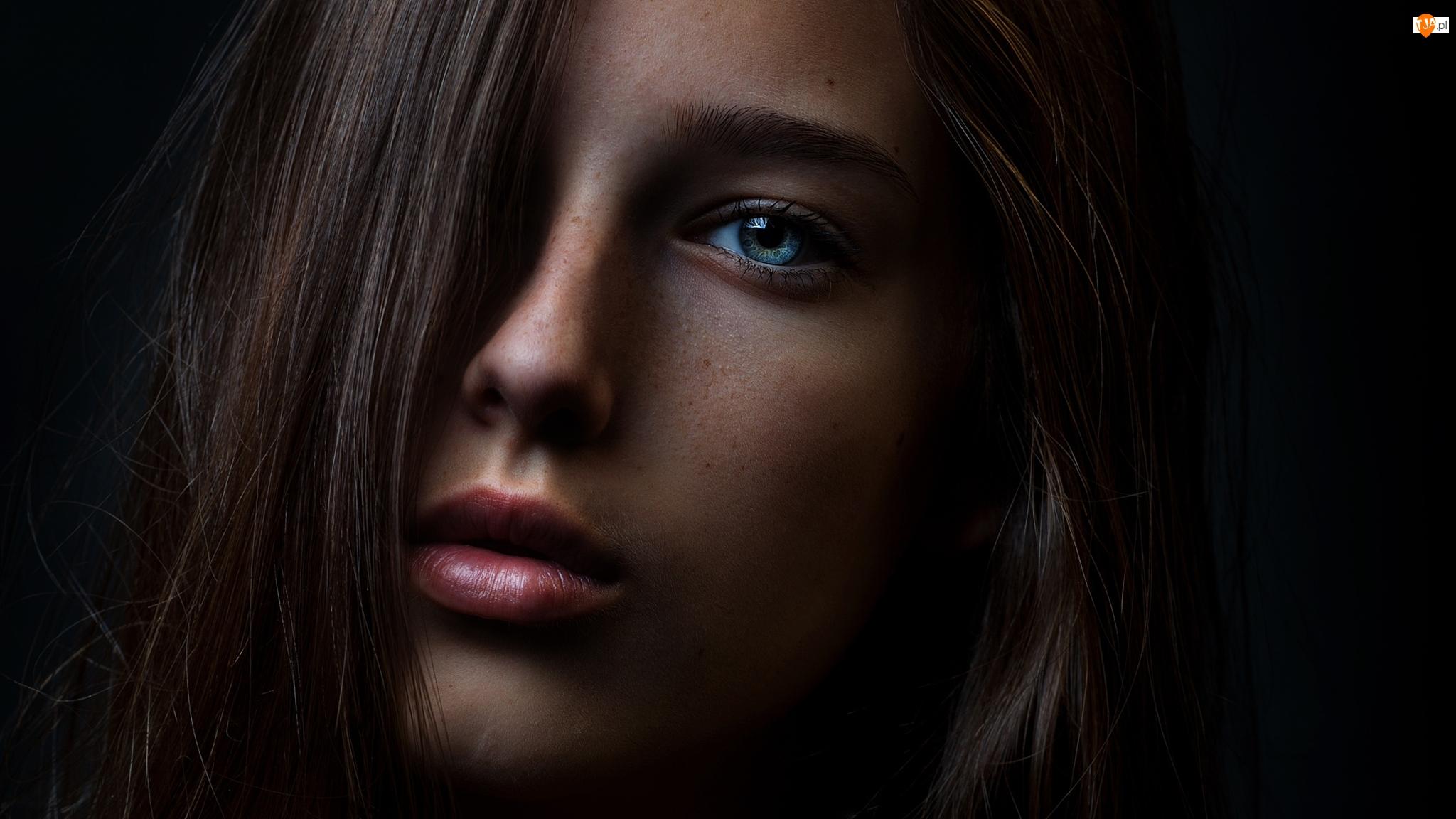 Oczy, Szatynka, Niebieskie