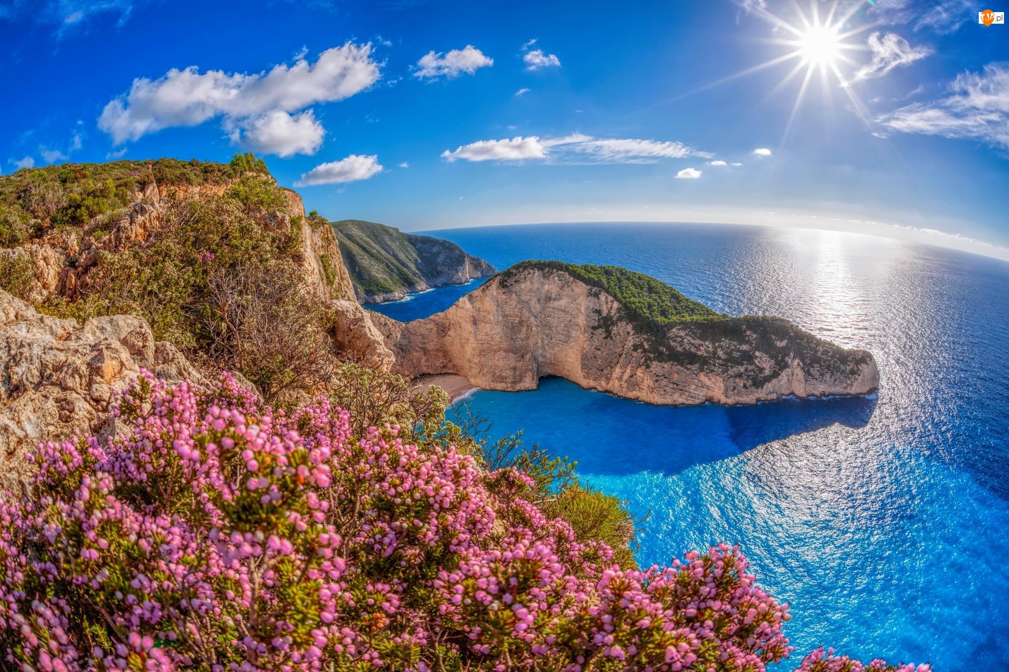 Morze Jońskie, Promienie słońca, Wyspa Zakintos, Grecja, Góry, Plaża Nawajo, Zatoka