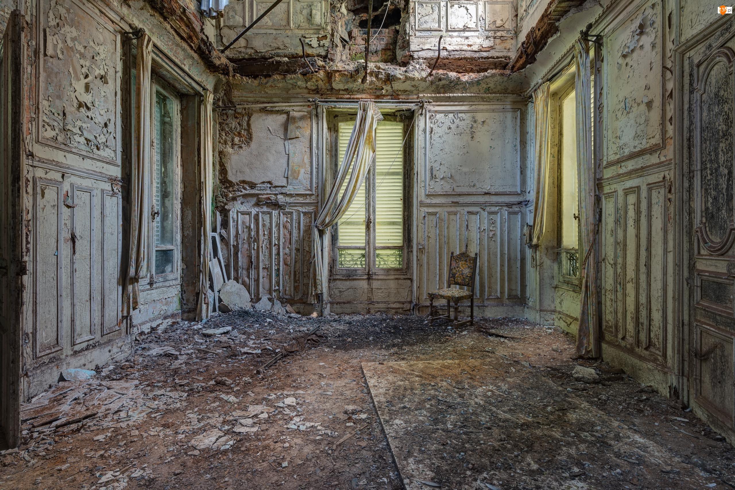 Krzesło, Zaniedbane, Pomieszczenie