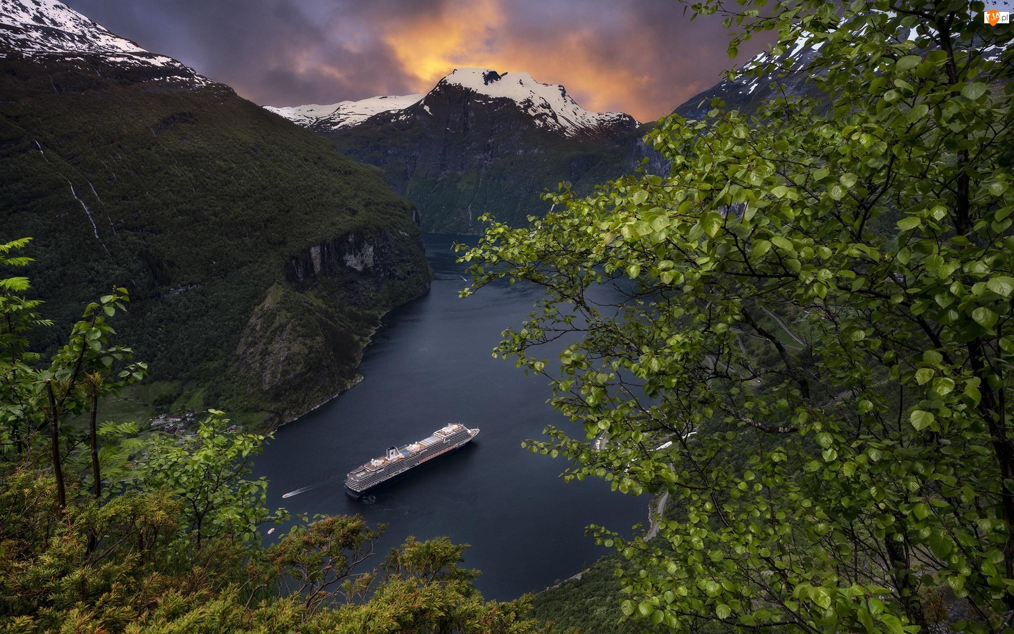 Statek MS Koningsdam, Norwegia, Góry, Fiord Geirangerfjord, Zachód słońca