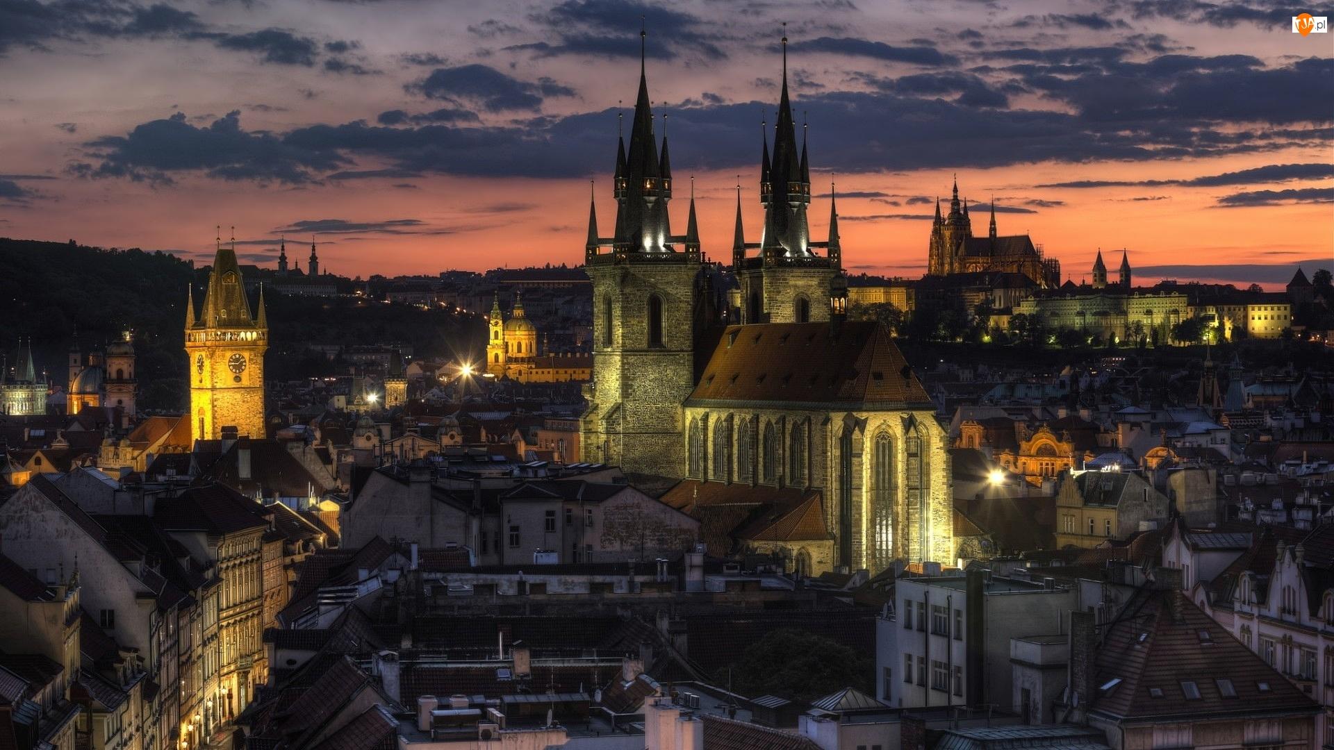 Czechy, Zmierzch, Praga, Kościół Najświętszej Marii Panny przed Tynem