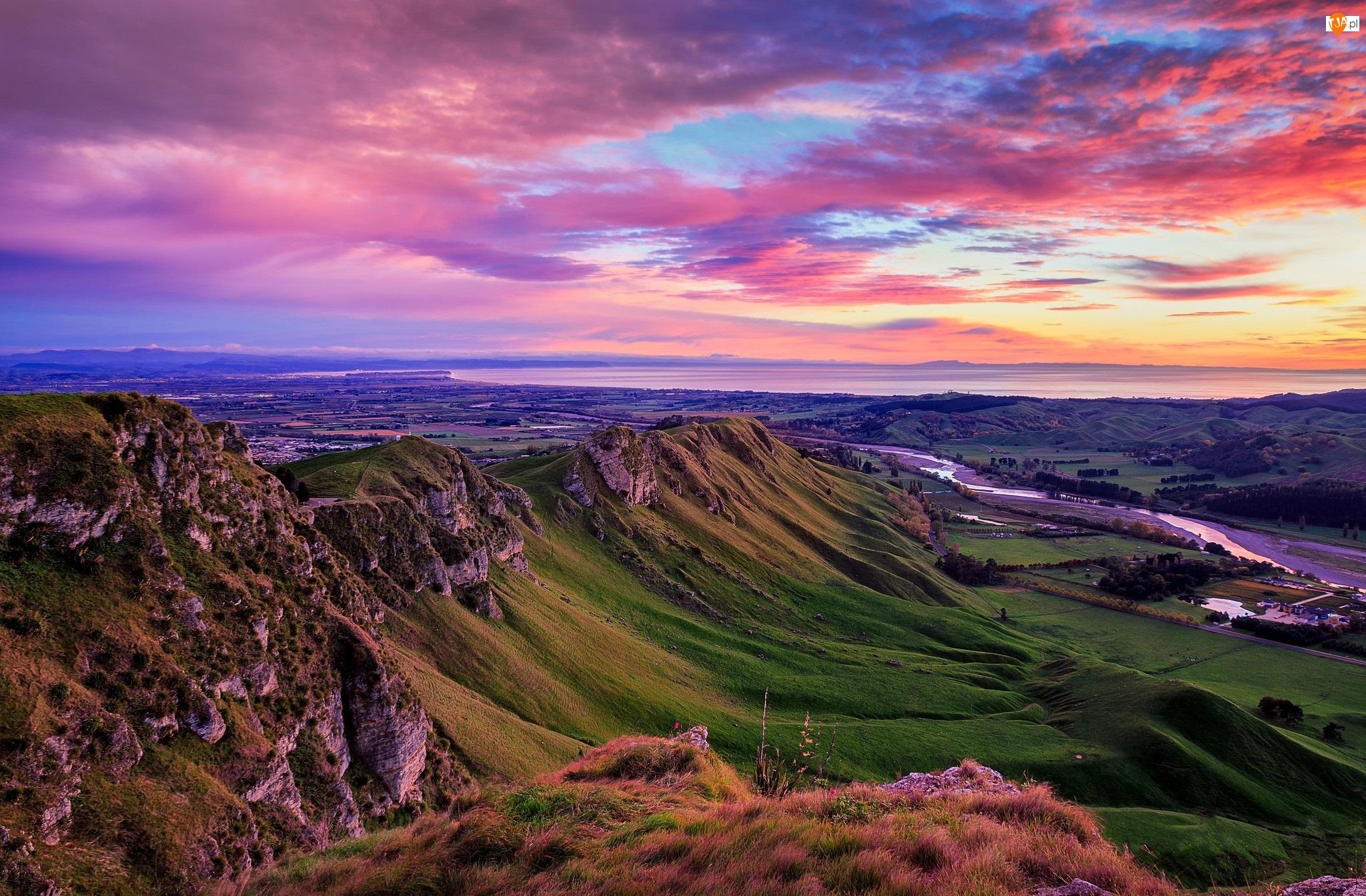 Góry, Góry Te Mata Peak, Region Hawkes Bay, Nowa Zelandia, Wschód słońca, Rzeka Tukituki River, Wzgórza