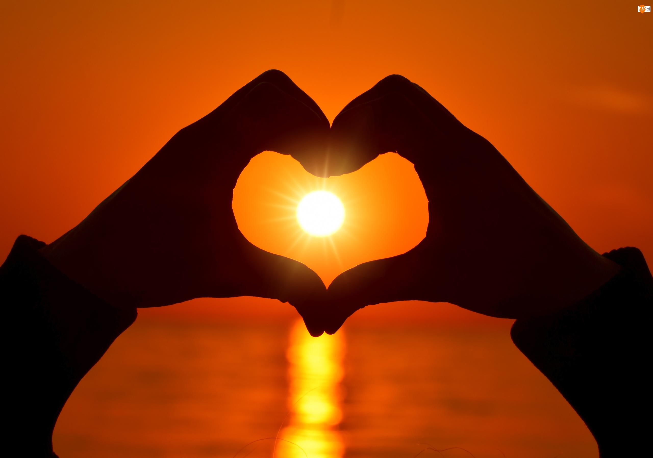 Dłonie, Zachód słońca, Serce, Miłość