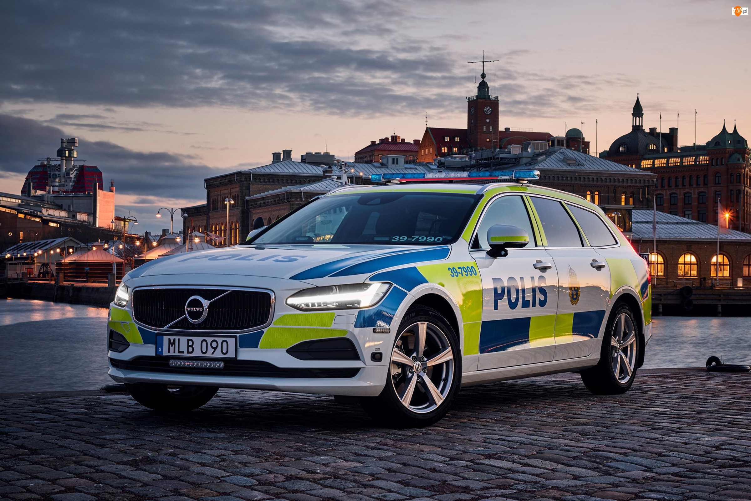 2016, Samochód policyjny, Volvo V90