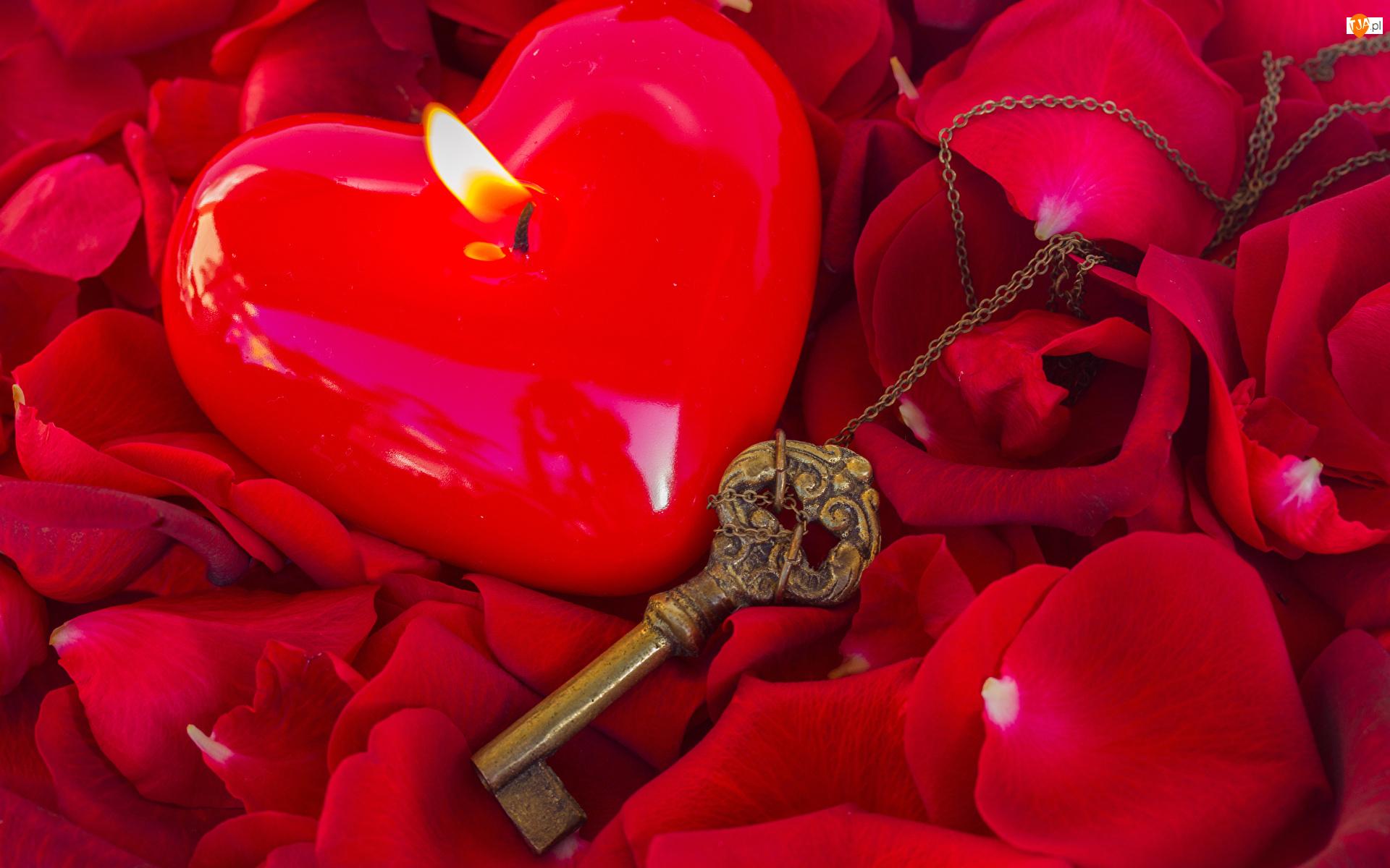 Kwiaty, Płatki, Klucz, Walentynki, Serduszko, Świeczka, Róż