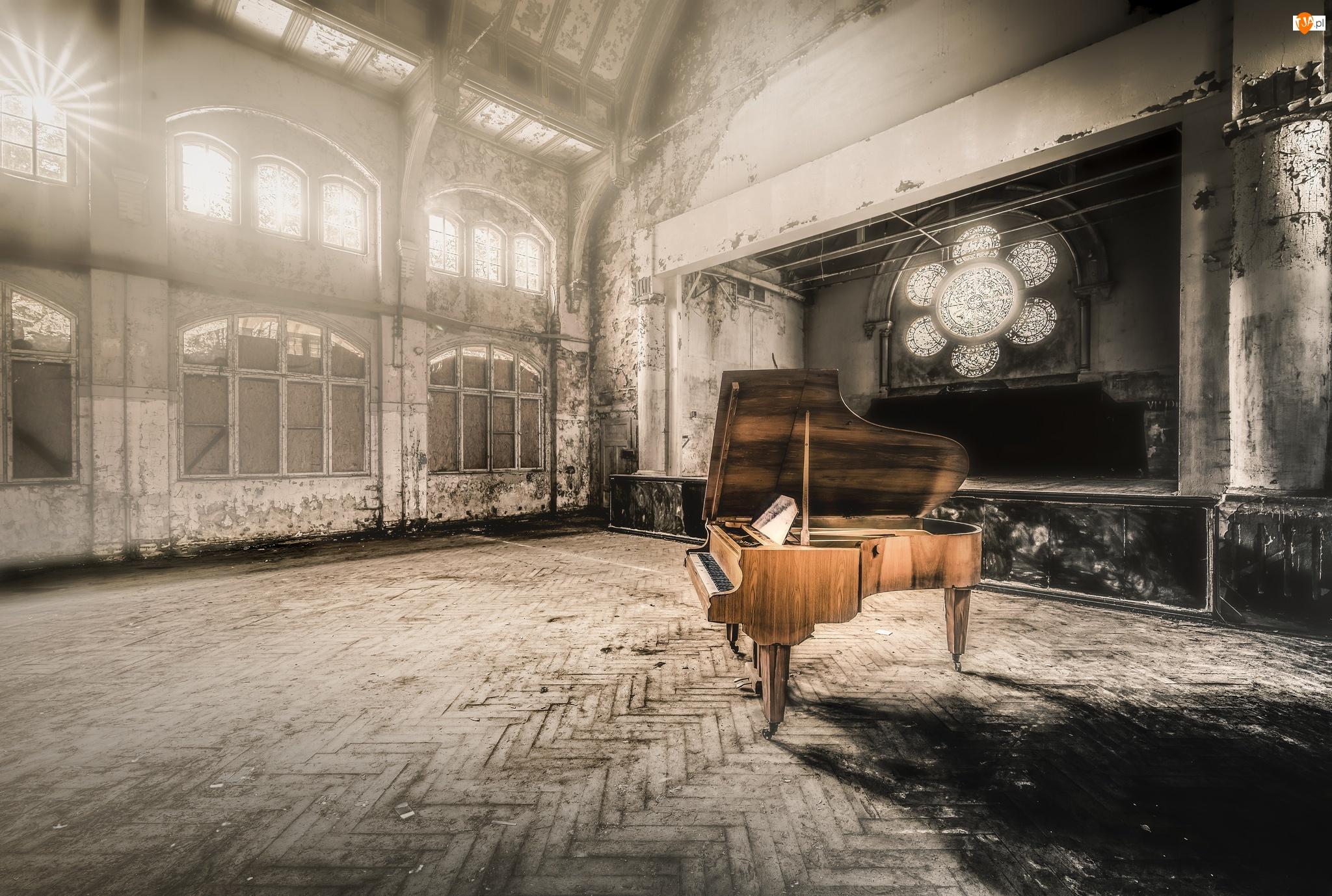 Fortepian, Scena, Wnętrze, Zaniedbane, Aula