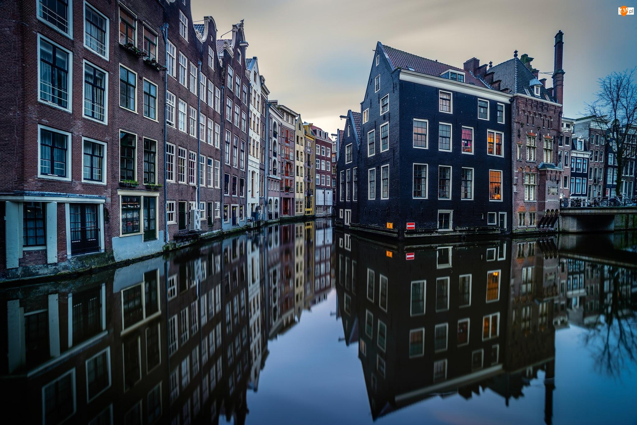 Kanał, Amsterdam, Kamienice