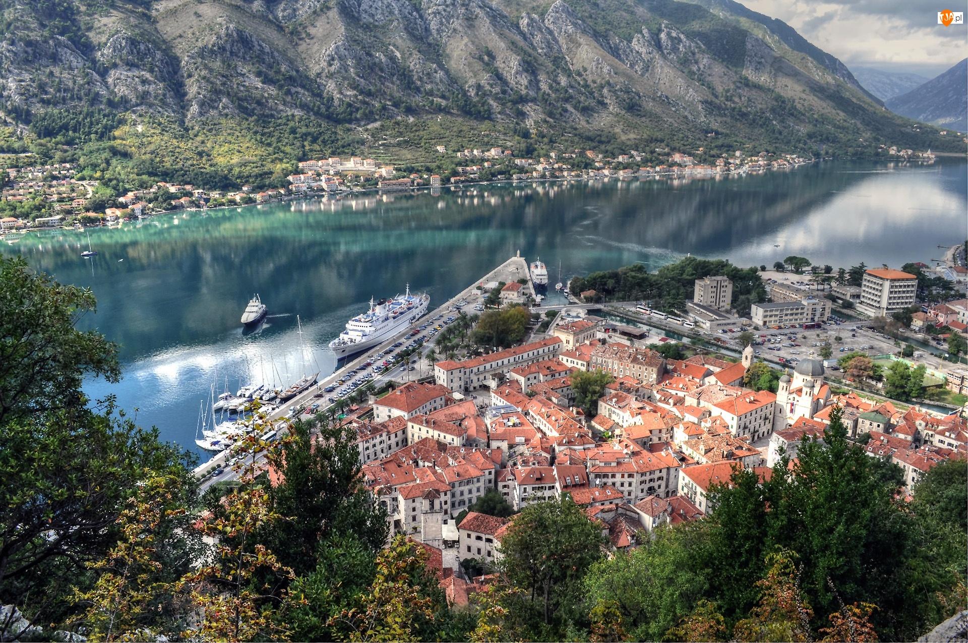 Góry, Statki, Kotor, Czarnogóra, Miasto