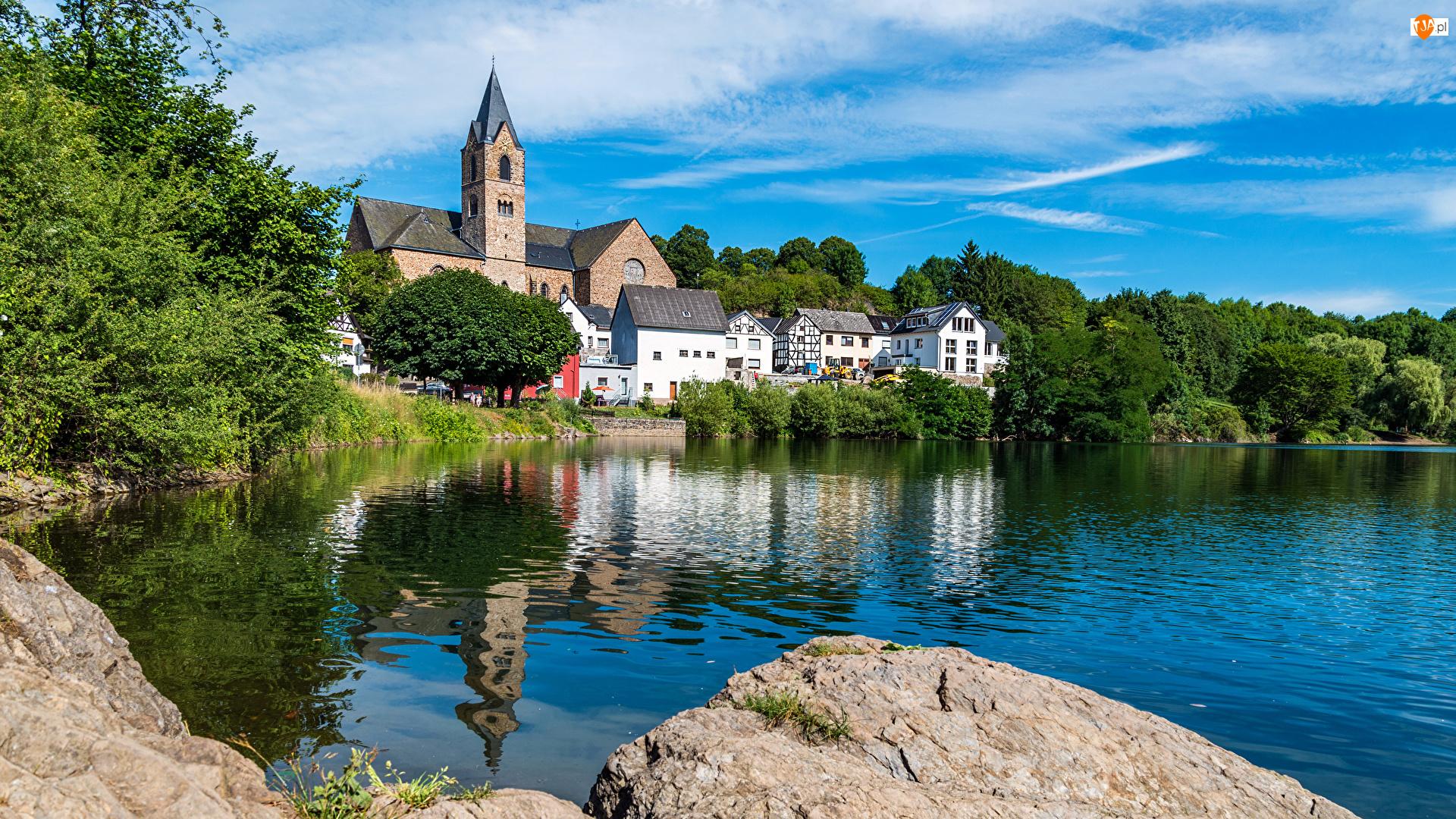 Nadrenia-Palatynat, Miasto Ulmen, Odbicie, Niemcy, Jezioro, Kościół, Domy