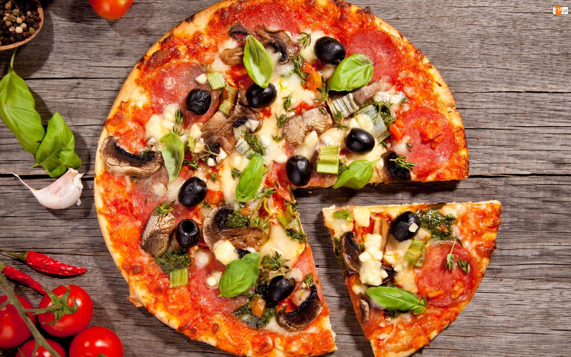 Oliwki, Pizza, Pieczarki, Salami