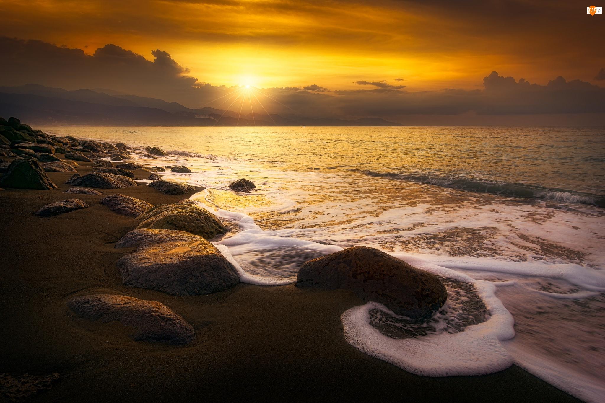 Kamienie, Wschód słońca, Plaża, Morze, Fale
