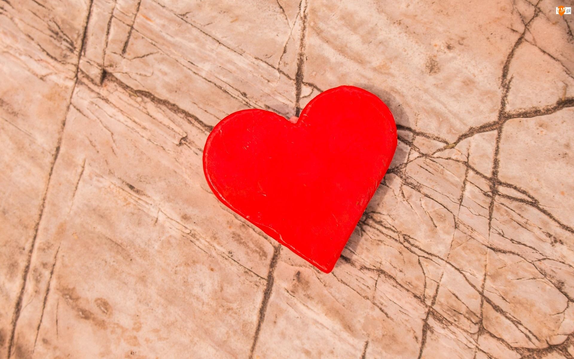 Popękana ściana, Walentynki, Serce