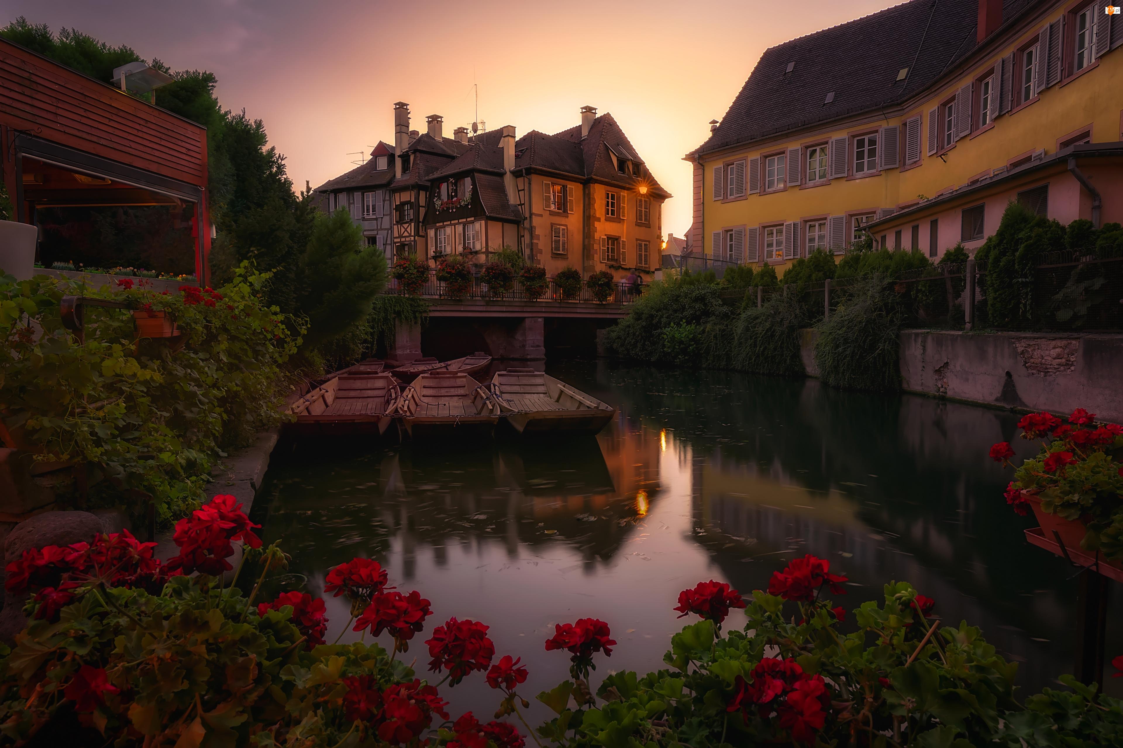 Rzeka Lauch, Łódki, Francja, Domy, Departament Górny Ren, Miasto Colmar, Dzielnica Mała Wenecja