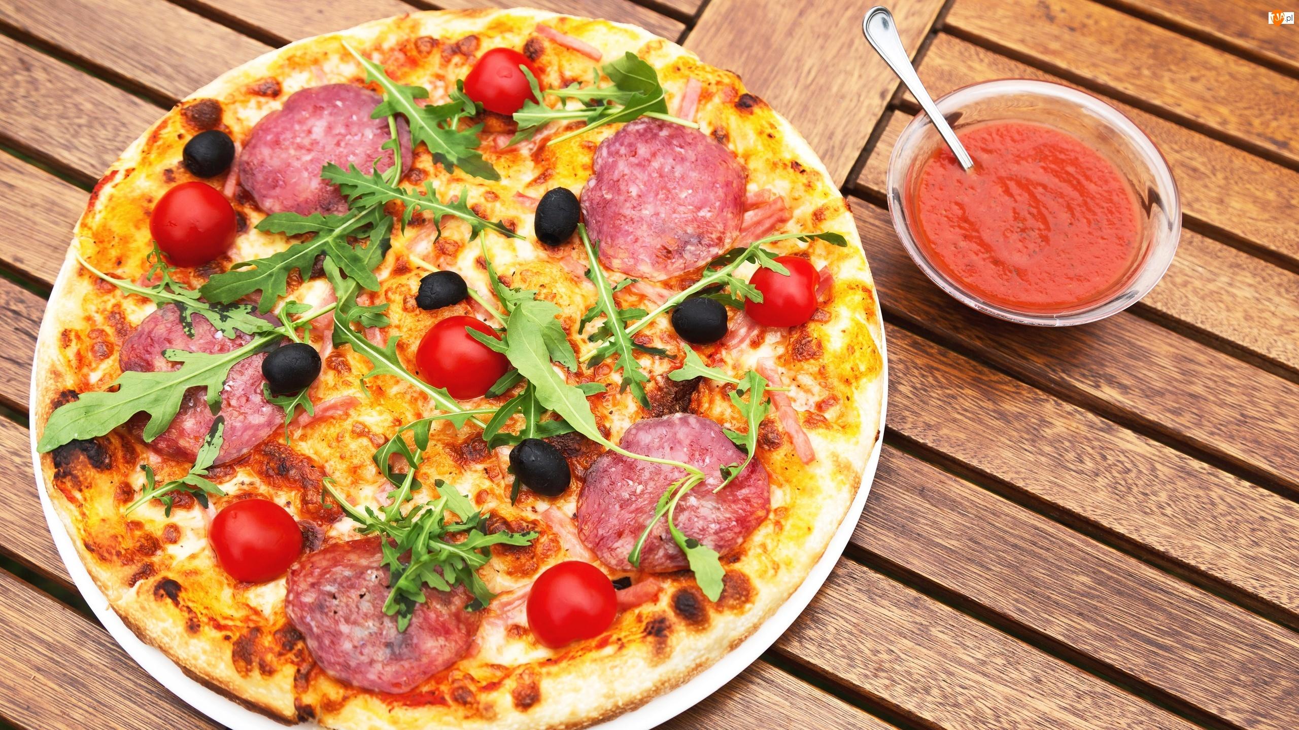 Ketczup, Pizza, Salami, Oliwki