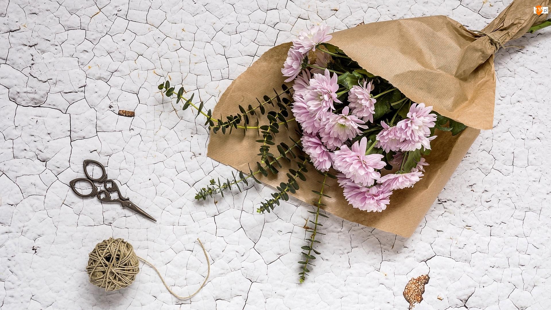 Bukiet, Kwiaty, Drewno, Chryzantemy, Obdrapane, Sznurek, Nożyczki