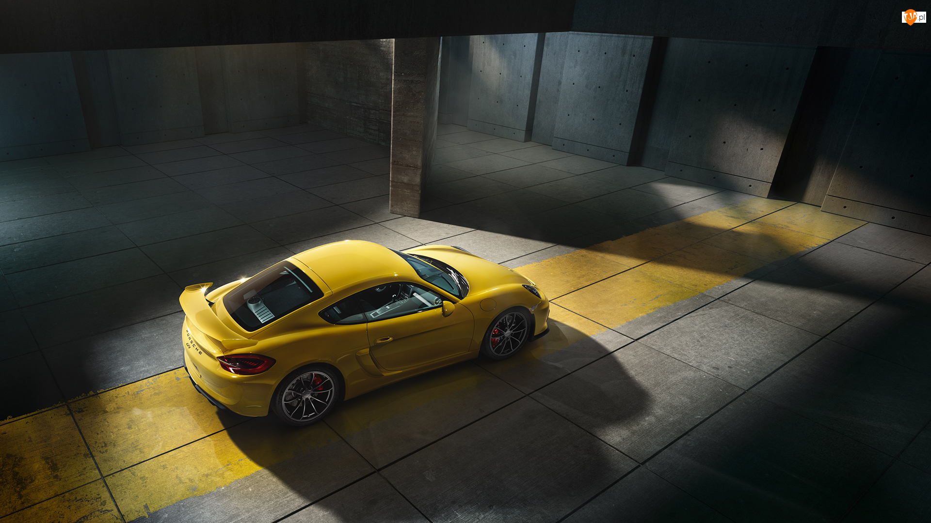 Żółte, Porsche Cayman GT4