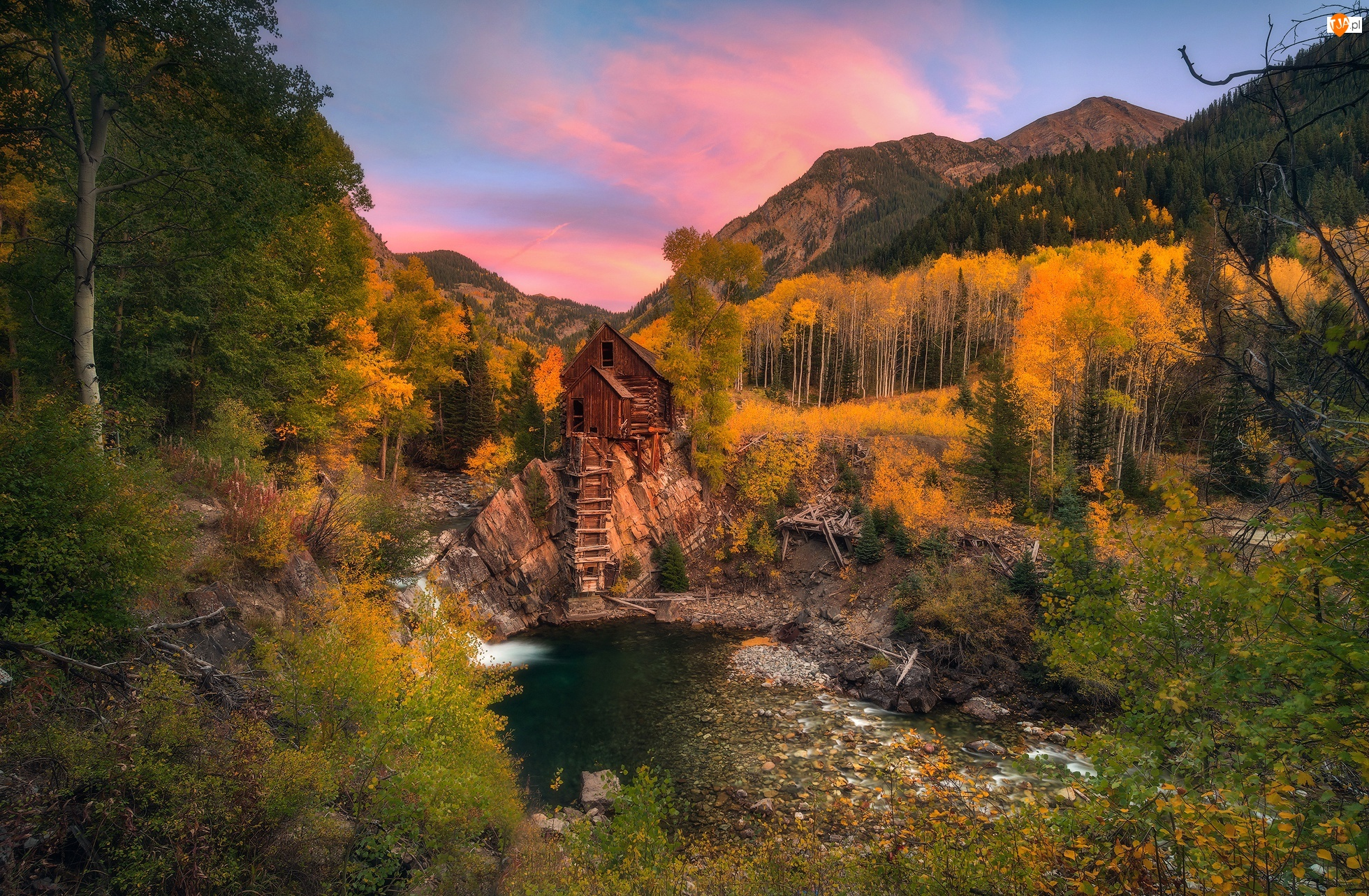 Stan Kolorado, Stany Zjednoczone, Młyn Crystal Mill, Drzewa, Rzeka Crystal River, Jesień