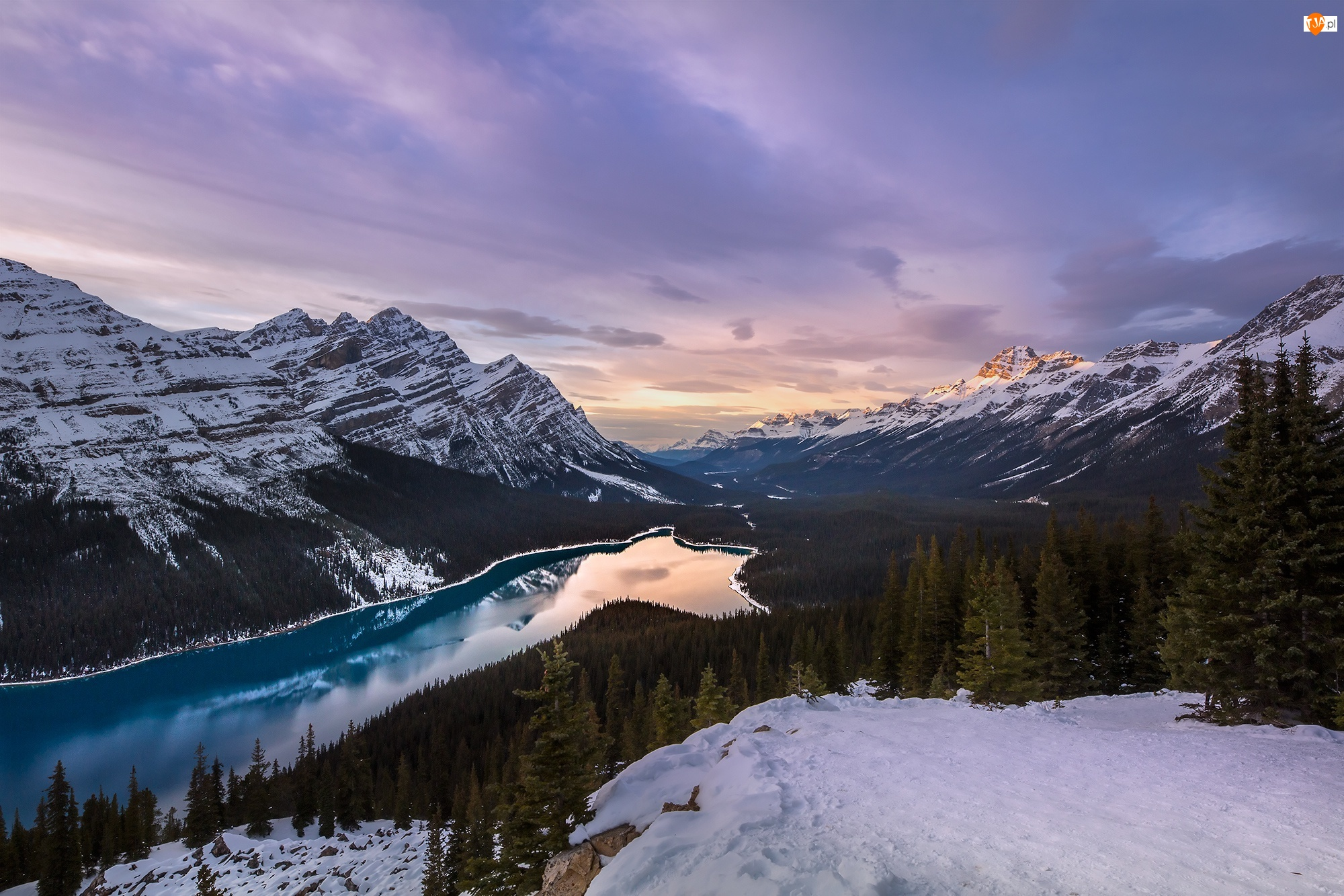 Park Narodowy Banff, Kanada, Góry Canadian Rockies, Zima, Jezioro Peyto Lake, Lasy