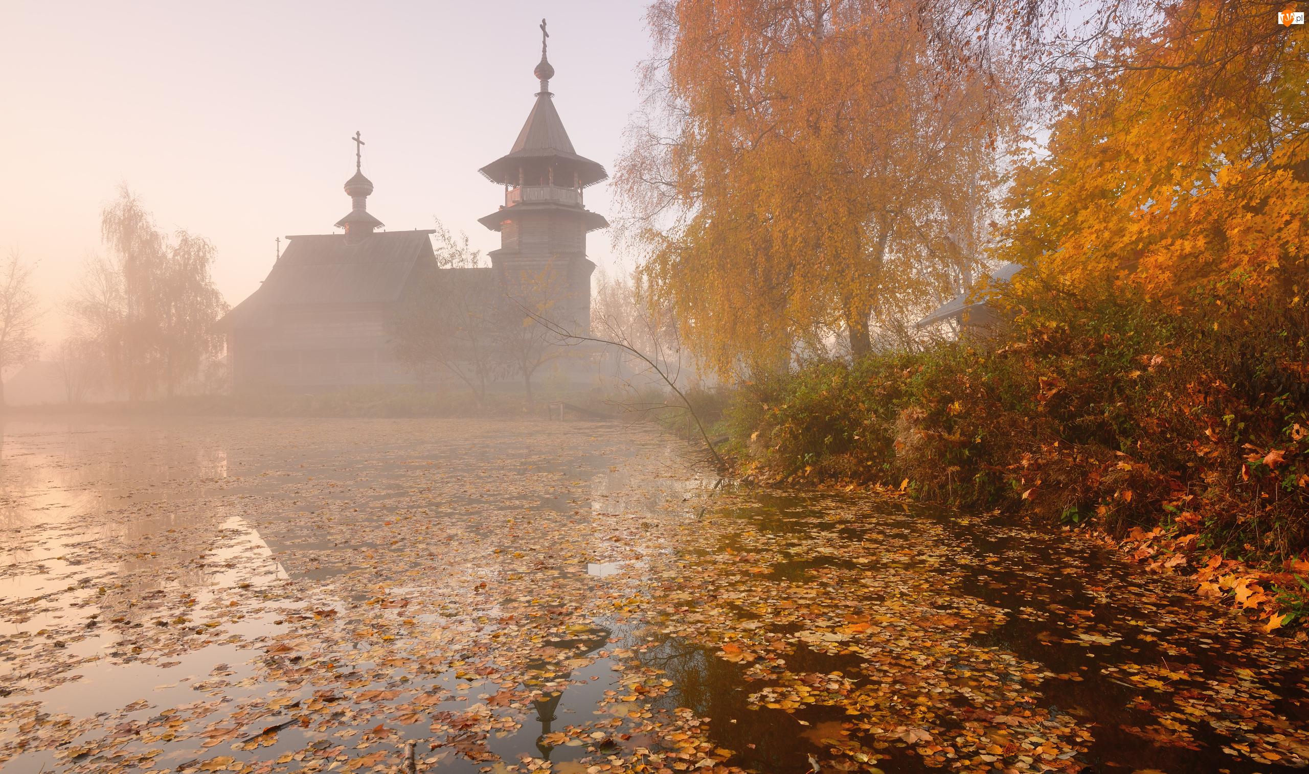 Rosja, Jezioro Onega, Wyspa Kiży, Trawy, Mgła, Jesień, Drewniana, Drzewa, Kaplica, Karelia