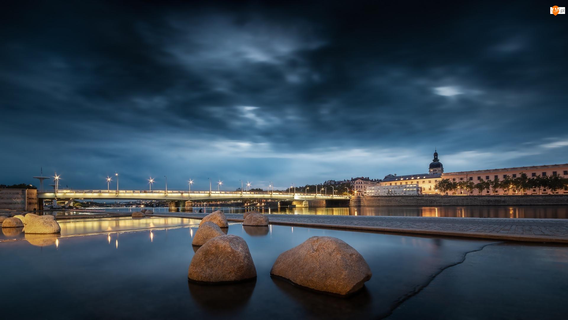 Rzeka Rodan, Francja, Światła, Most, Lyon, Kamienie, Budynki, Wieczór