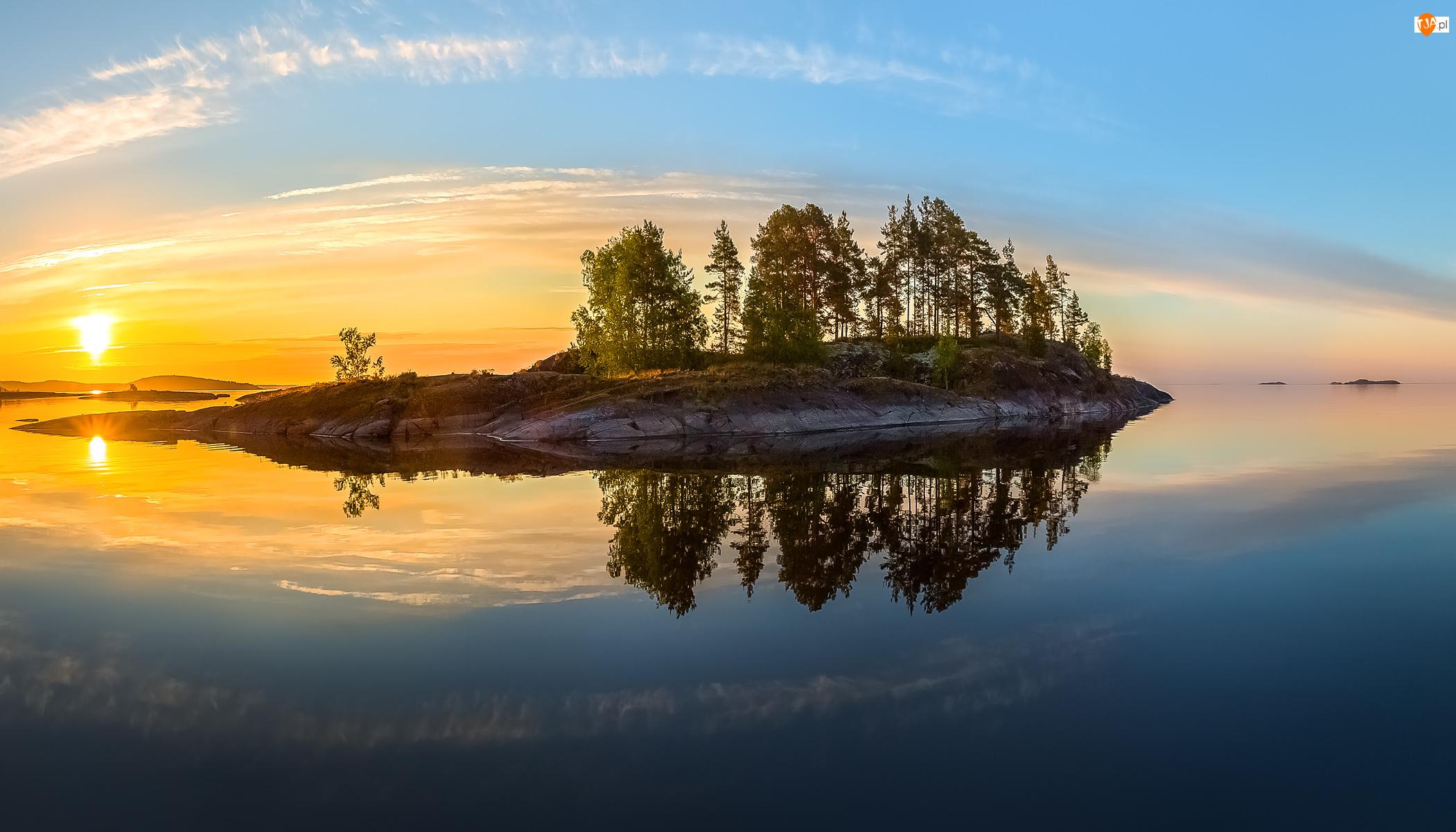 Wysepka, Jezioro Ładoda, Wschód słońca, Rosja, Drzewa, Karelia